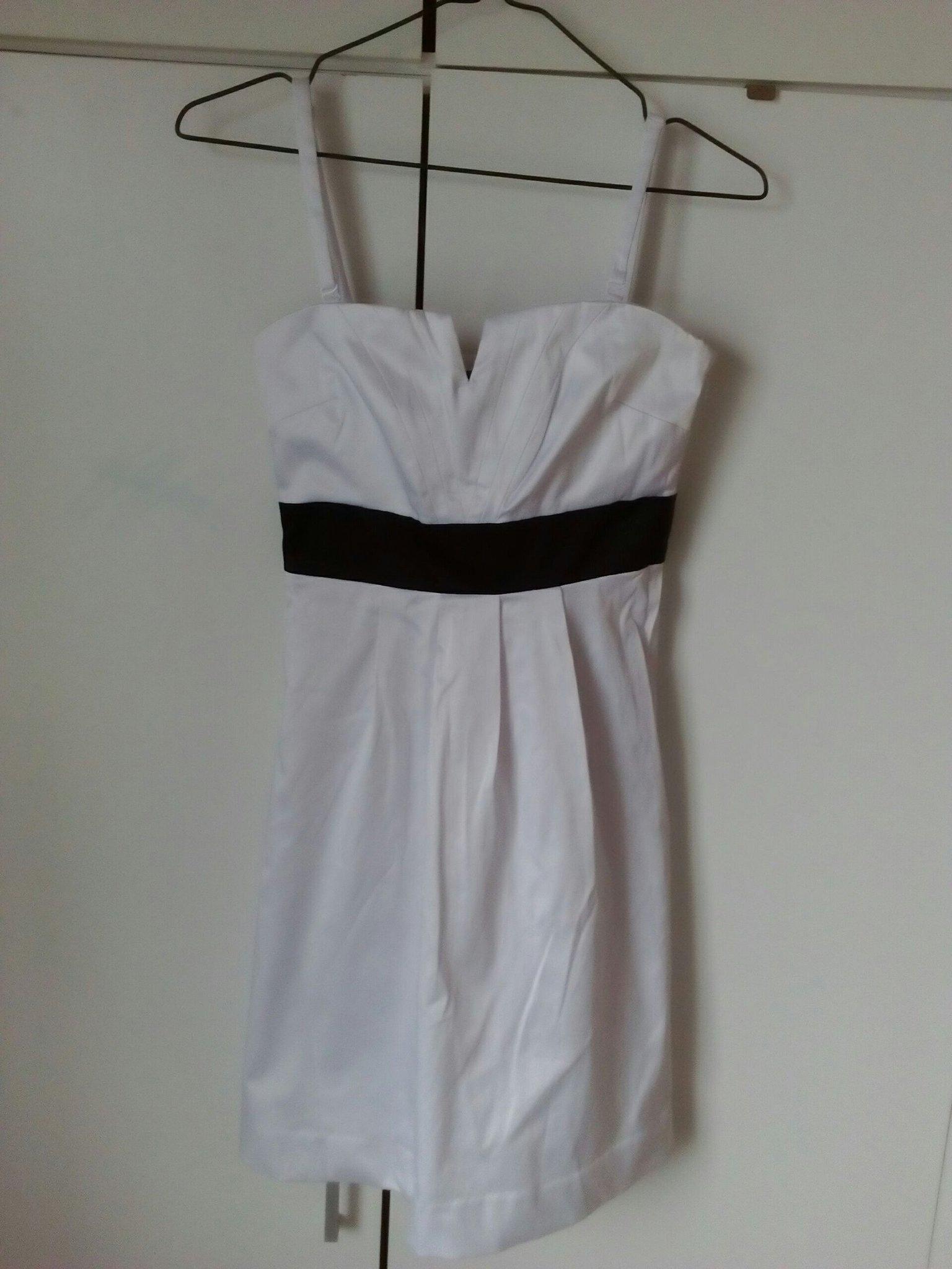 e456238a4eb Vit klänning från Zoul stl 32 med matchande tights skolavslutning midsommar  ...