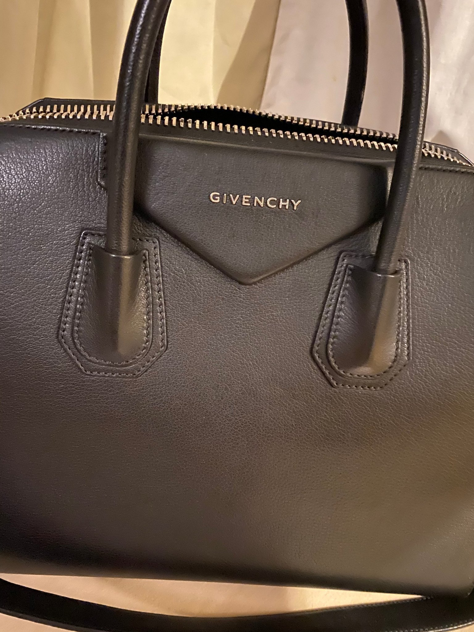 Givenchy Antigona väska Medium med kvitto