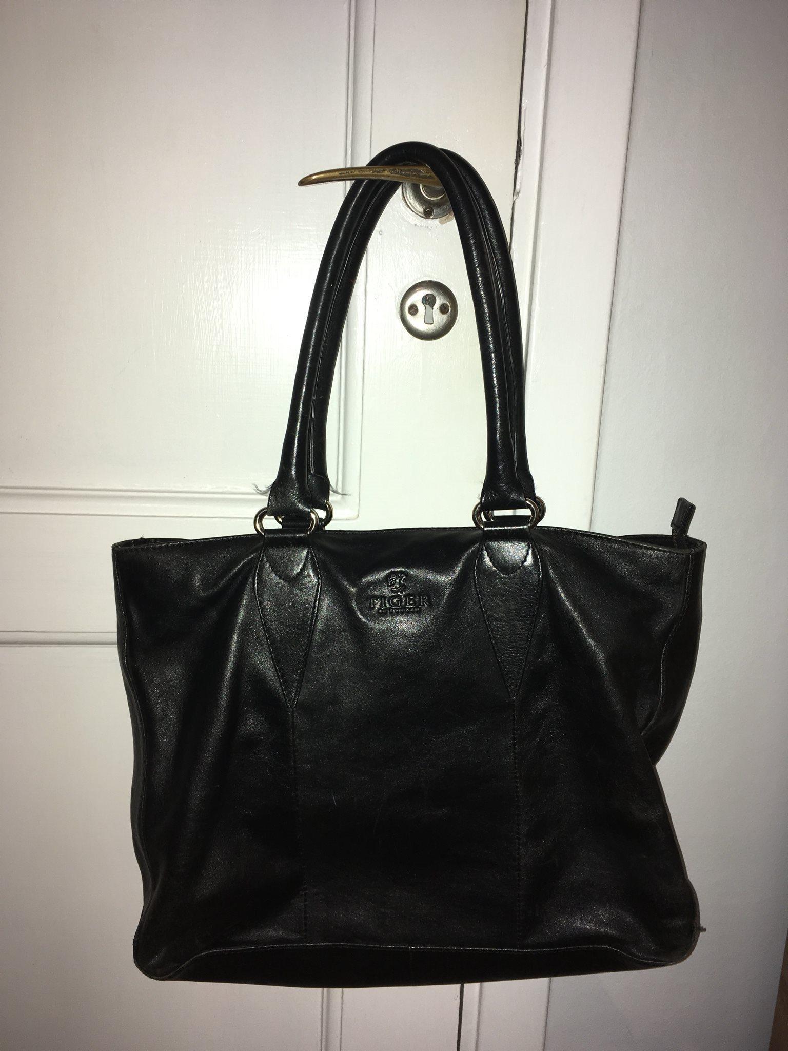 väska svart skinn