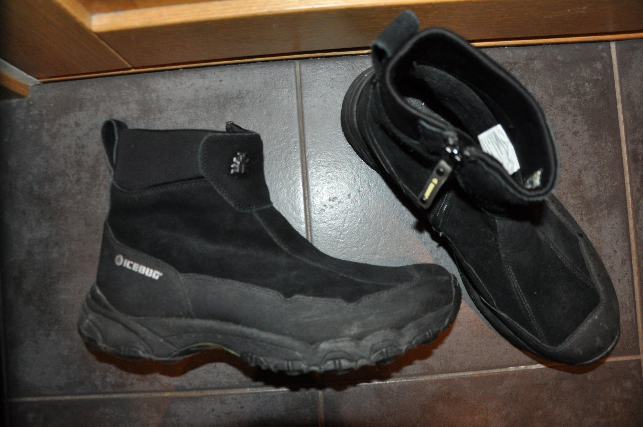 skor med inbyggda broddar