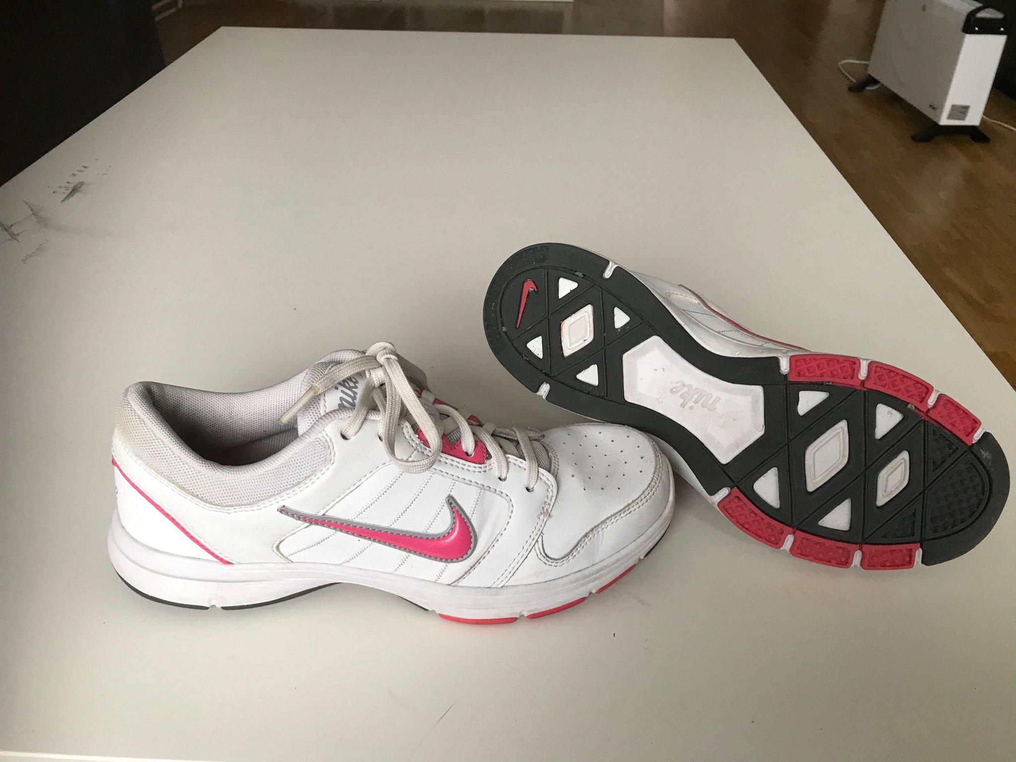 Nike skor strl:36