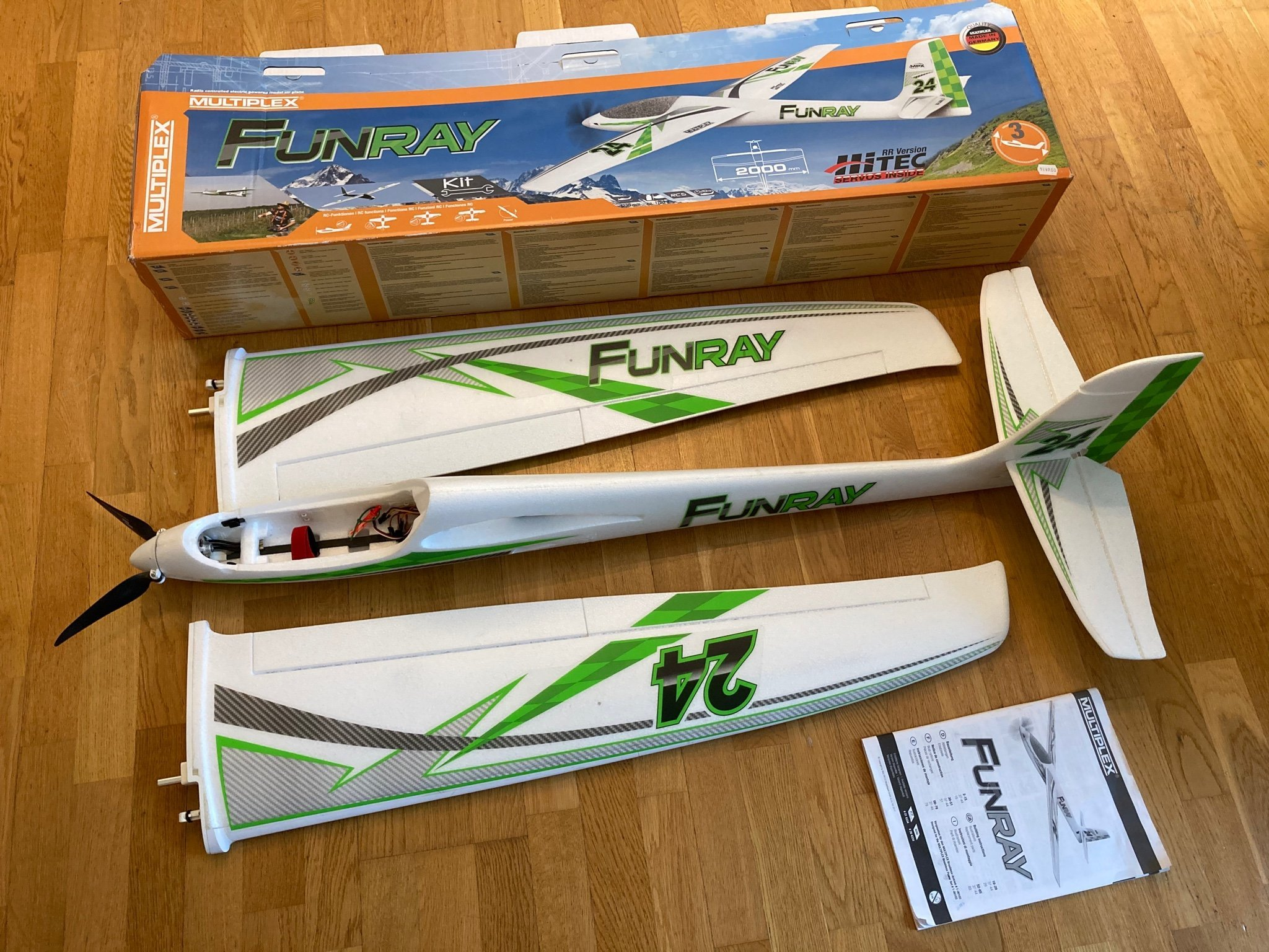 Multiplex FunRay RC flygplan elsegel