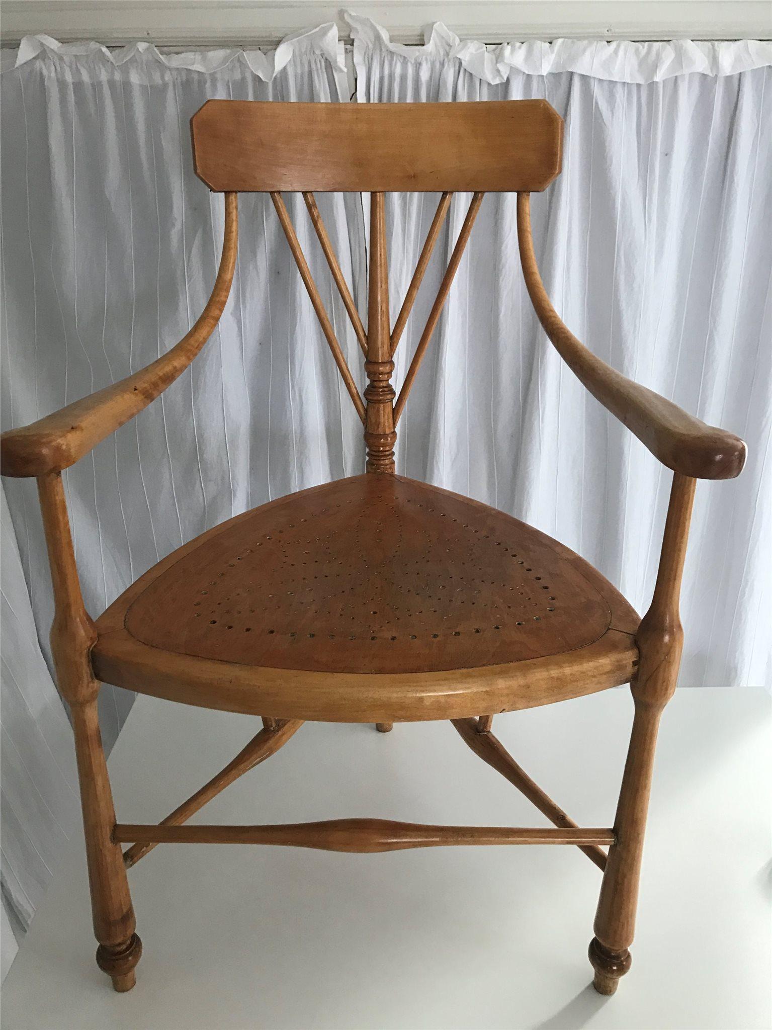 antik 3-bent annorlunda stol! på tradera - antika stolar | möbler |