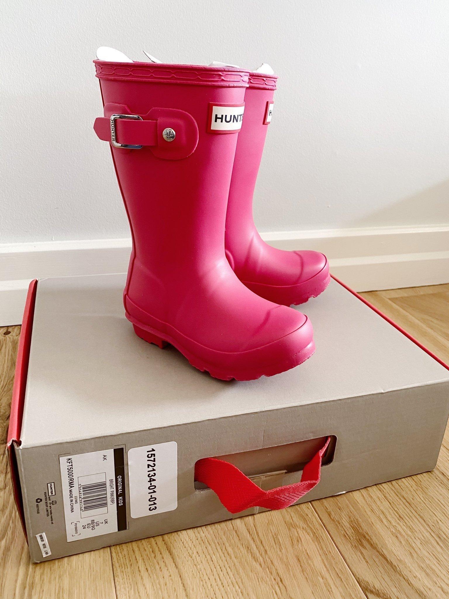 """Hunter stövlar i """"bright pink"""", storlek 24. NYA! (397340801"""
