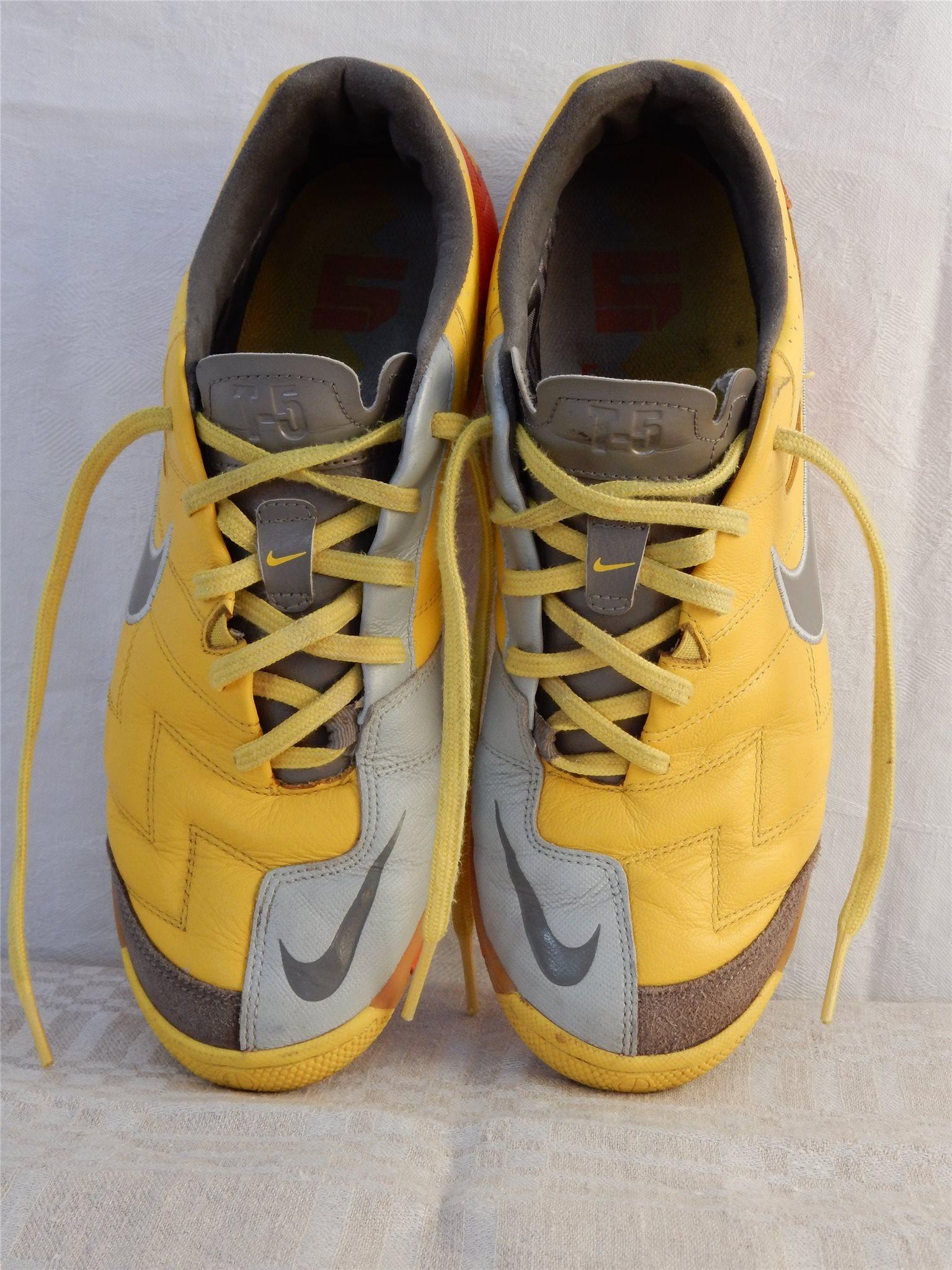 skor träning inomhus