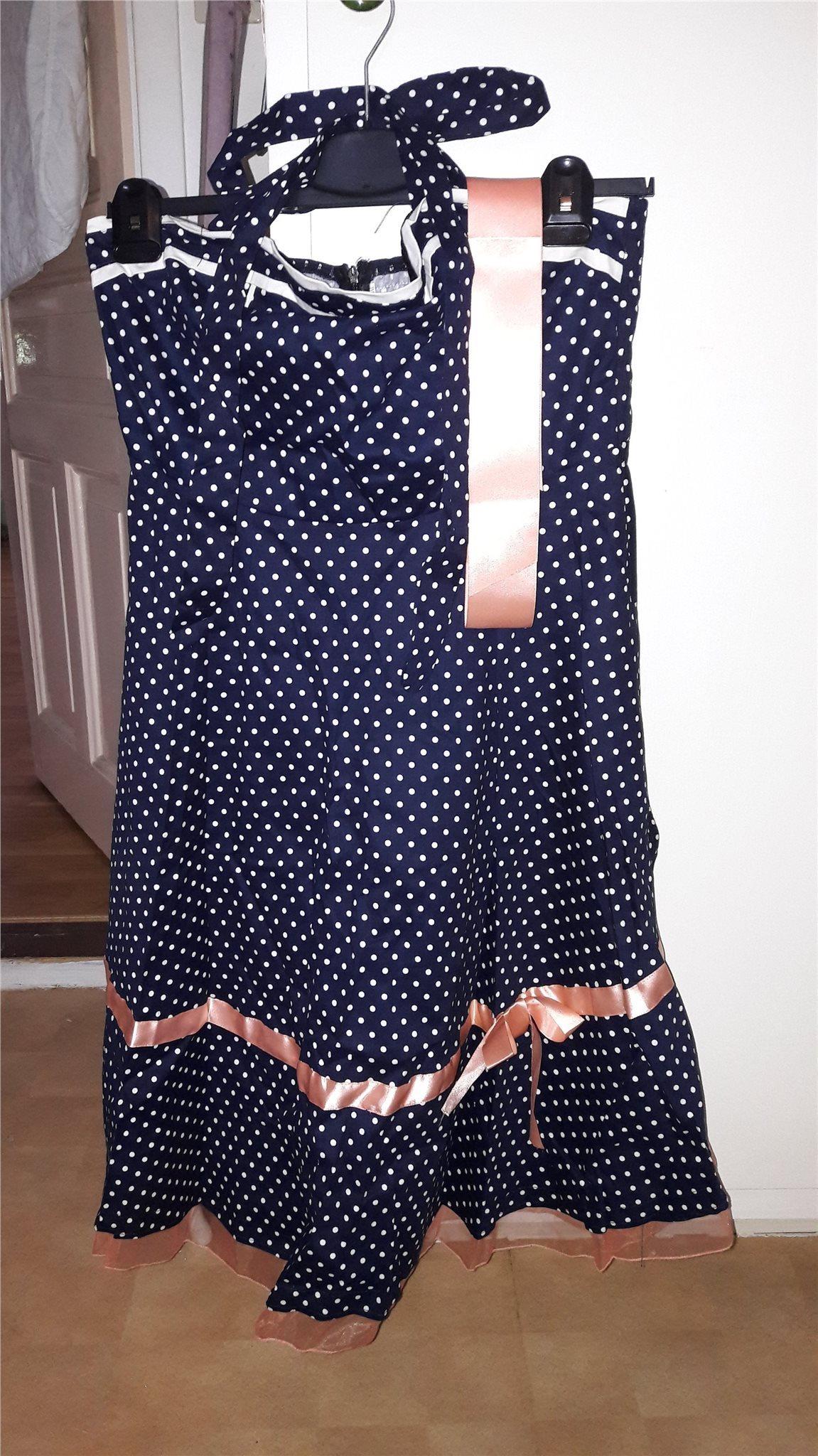 67ade770e542 Rockabilly klänningar tradera