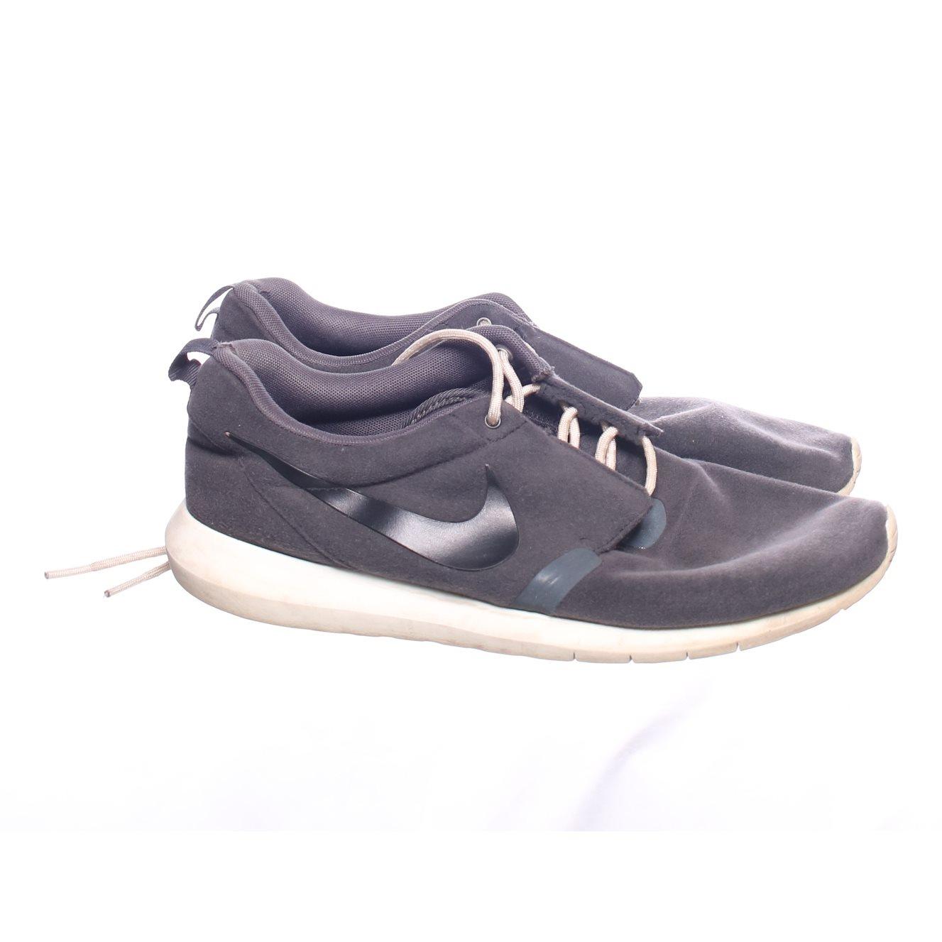 online store e6a5c 61784 Nike Roshe Run, Sneakers, Strl  43, Grå Vit