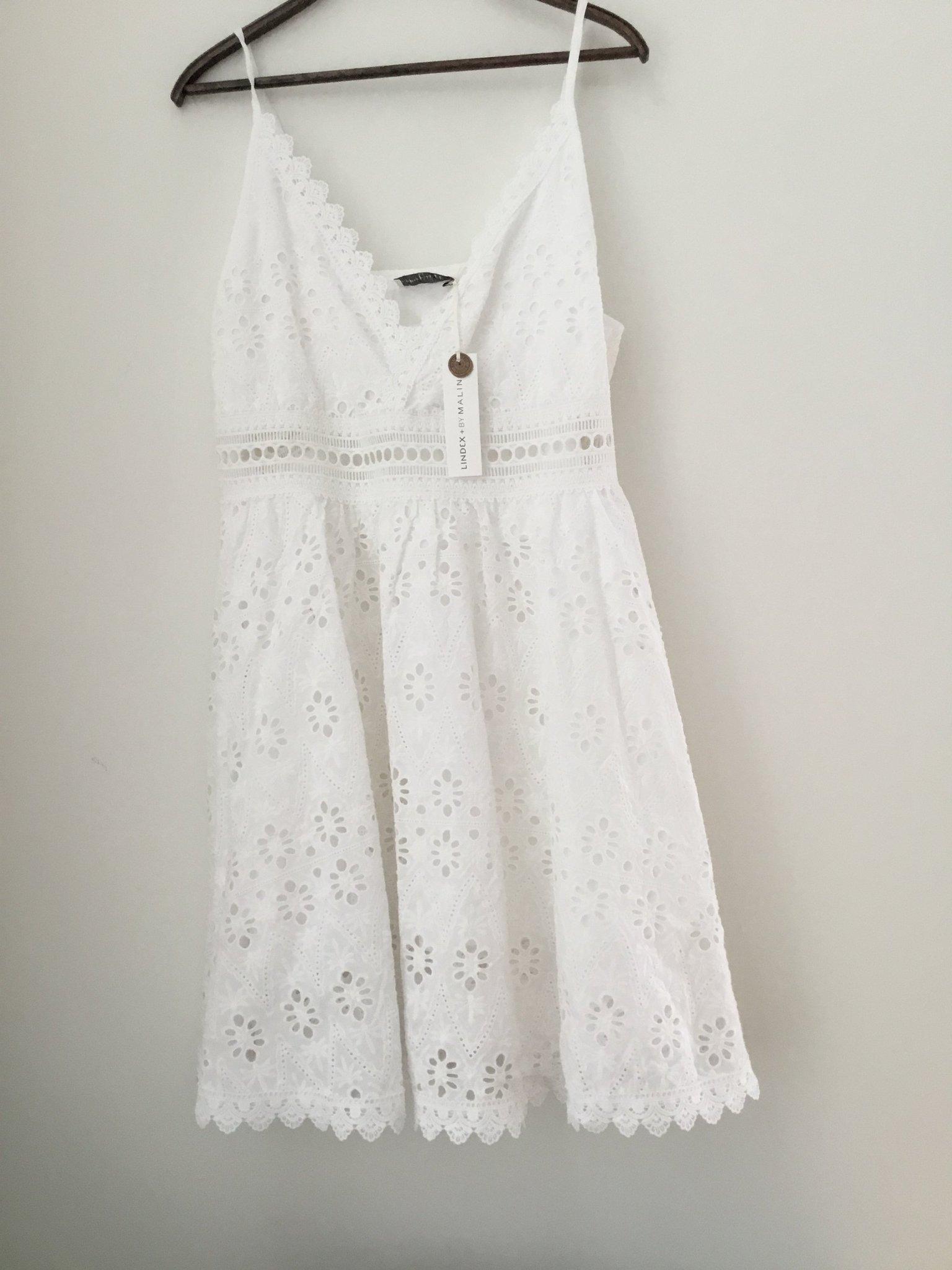 91fe5e2a6623 Lindex S ny vit klänning By Malina (350318983) ᐈ Köp på Tradera