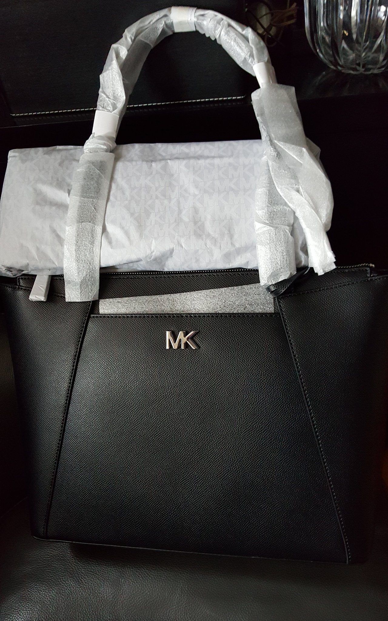 2500kr NY äkta läder Michael Kors svart silver MK skinn axelremsväska stor väska