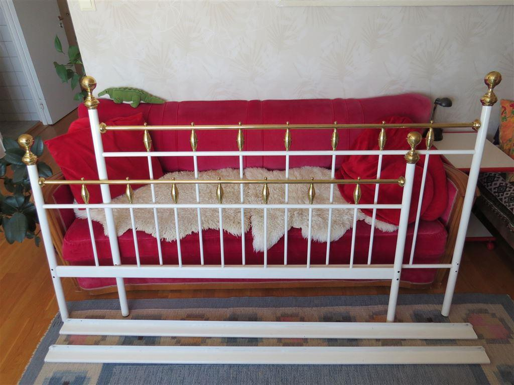 Sultan Sänggavel, vit metall och mässing, för dubbelsäng på Tradera