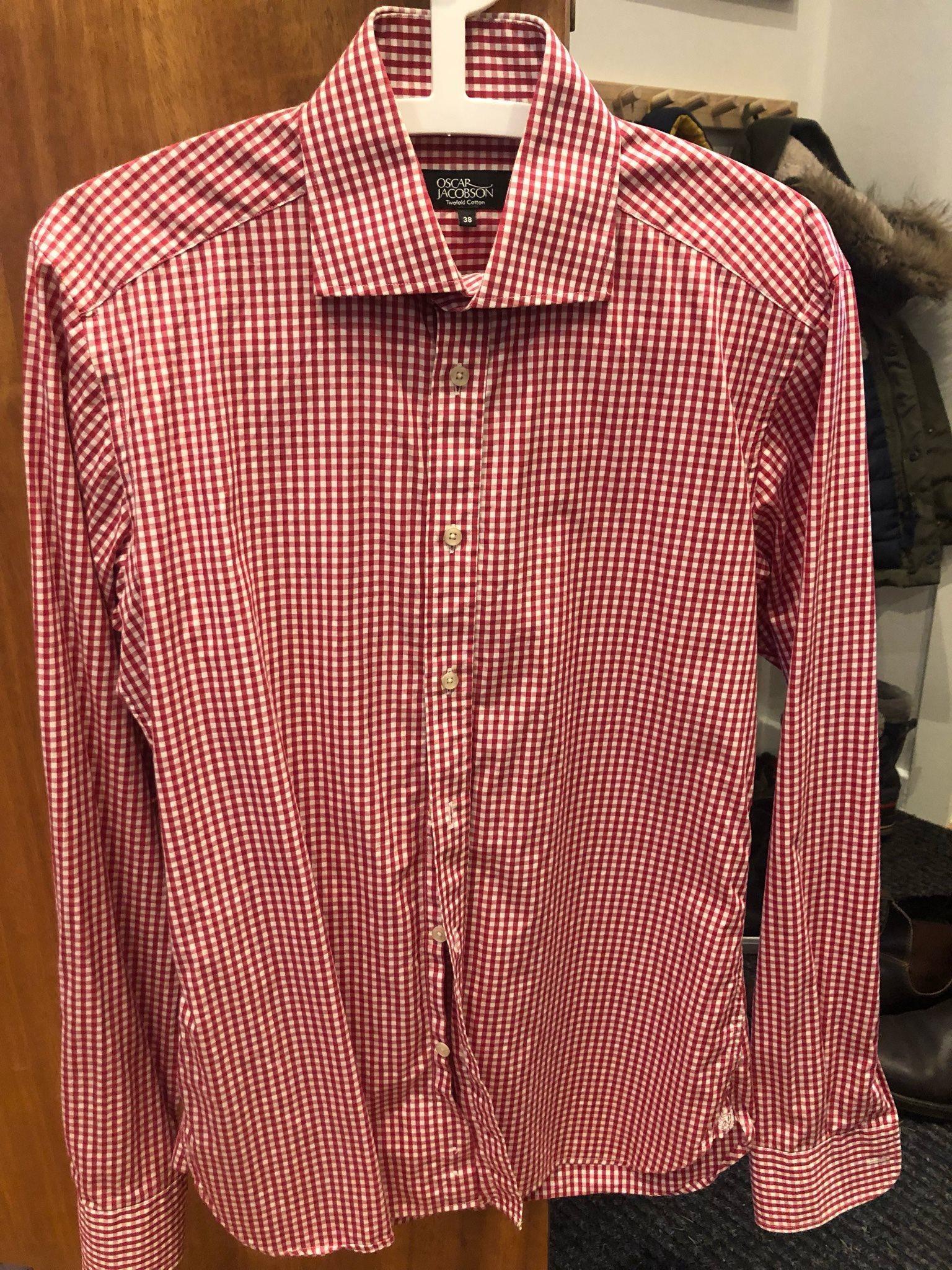 Skjorta från Oscar Jacobson i storlek 38 (335913481) ᐈ Köp på Tradera fdaace8b2dbae