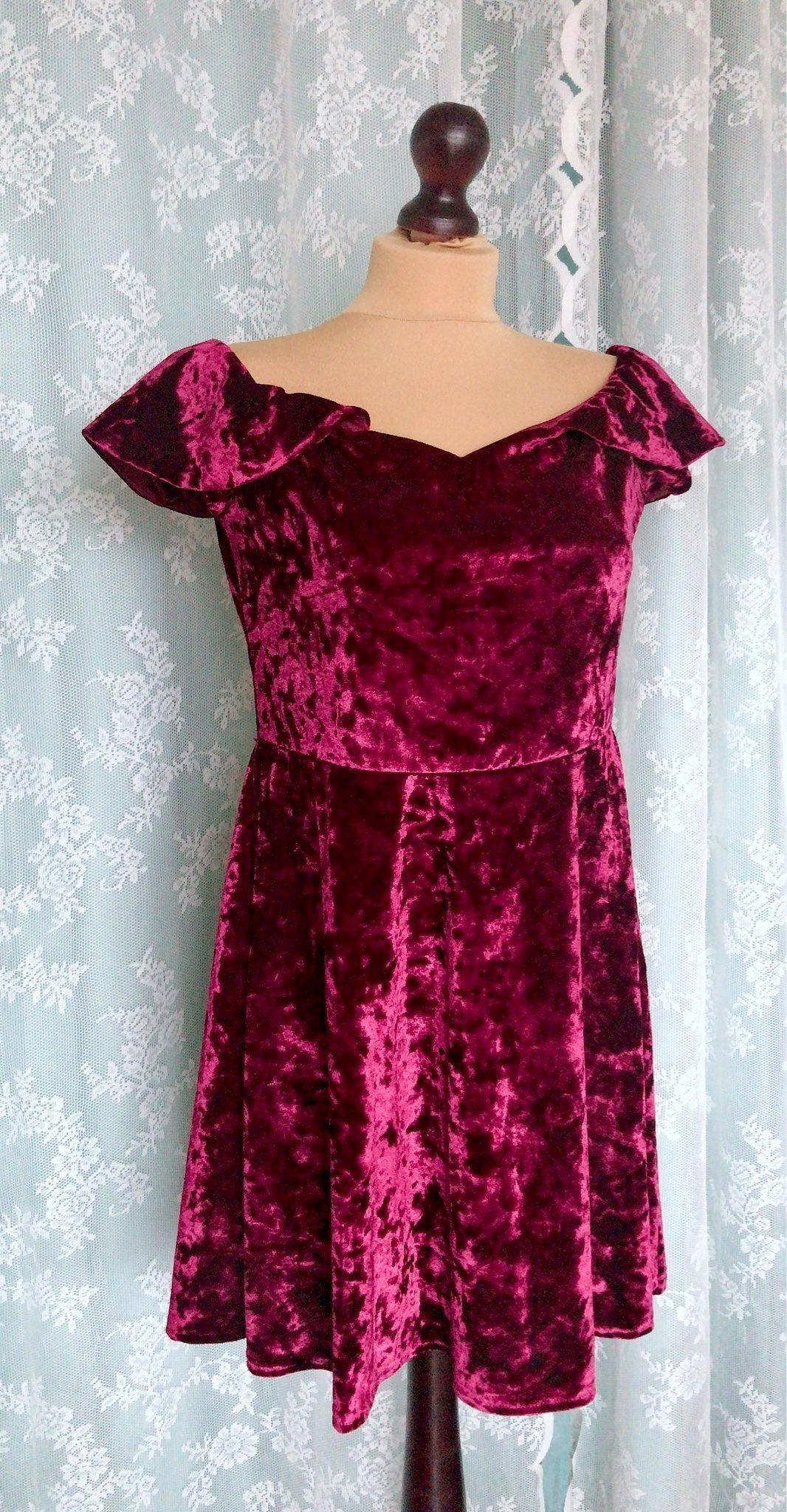 Burgundy,Vinröd klänning, festklänning, julklänning, julkläder Stl 40/42 Ny! Ny! Ny! db62c2