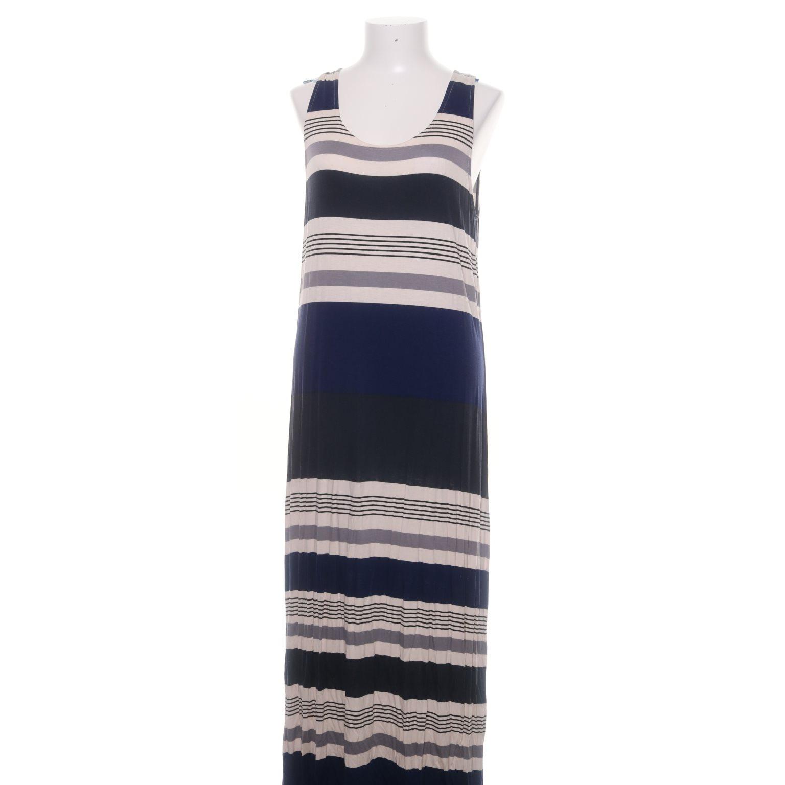 blå spetsklänning kappahl
