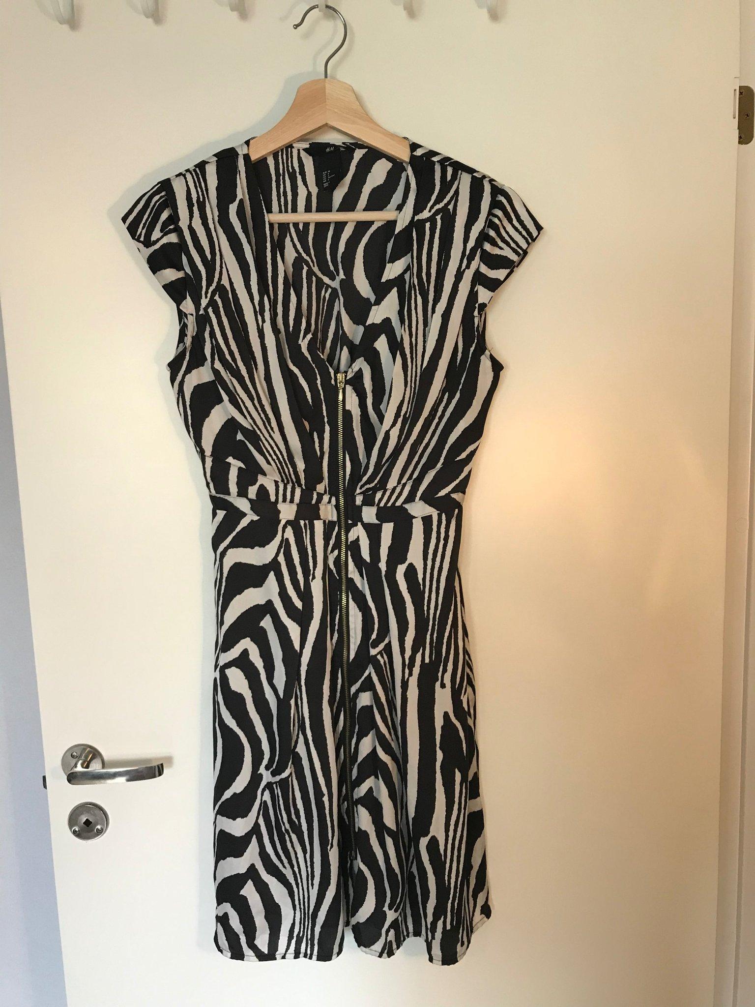 H&M zebra mönstrad svart vit fest party klänning (364438759