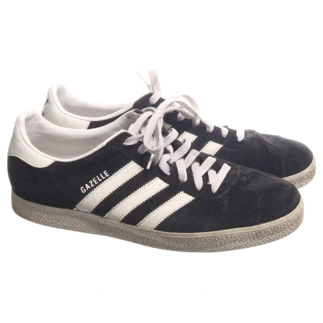 separation shoes 93ce1 f6df6 Adidas, Sneakers, Strl 44, Gazelle, SvartVit, Mocka