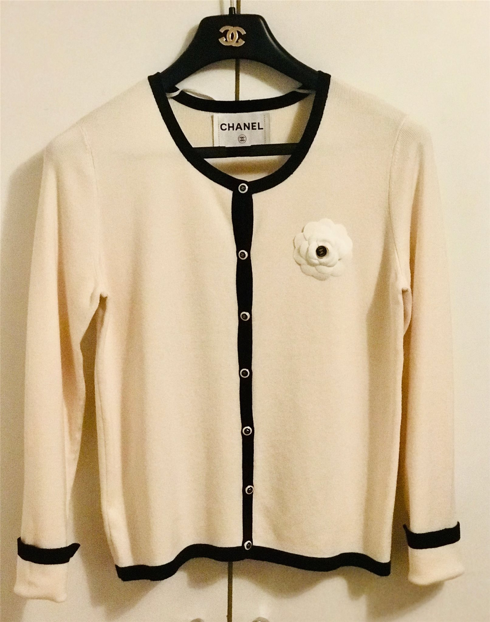 Chanel cardigan L (333143605) ᐈ Köp på Tradera 30d1c9e306469