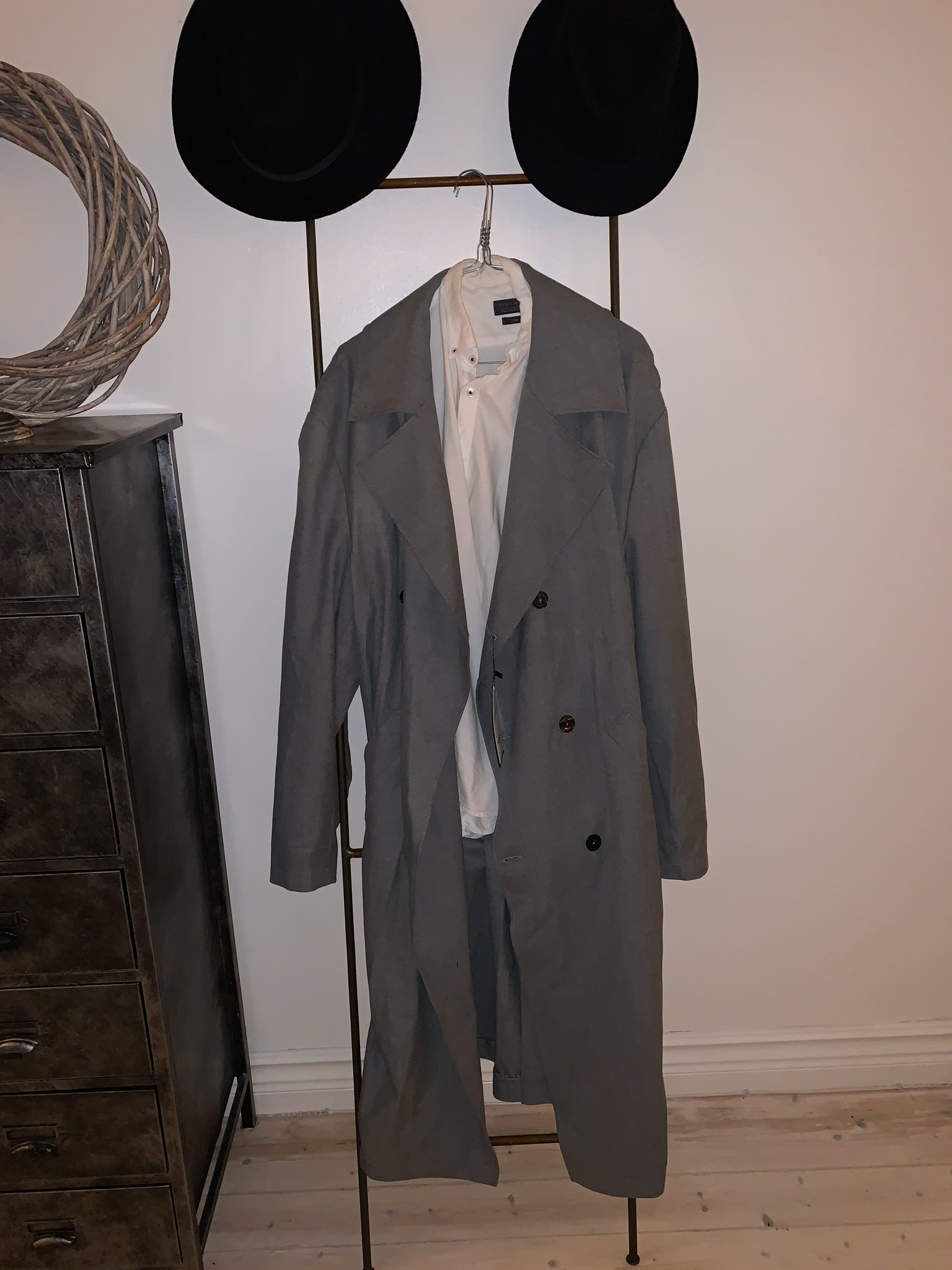 grå trench coat herr jacka