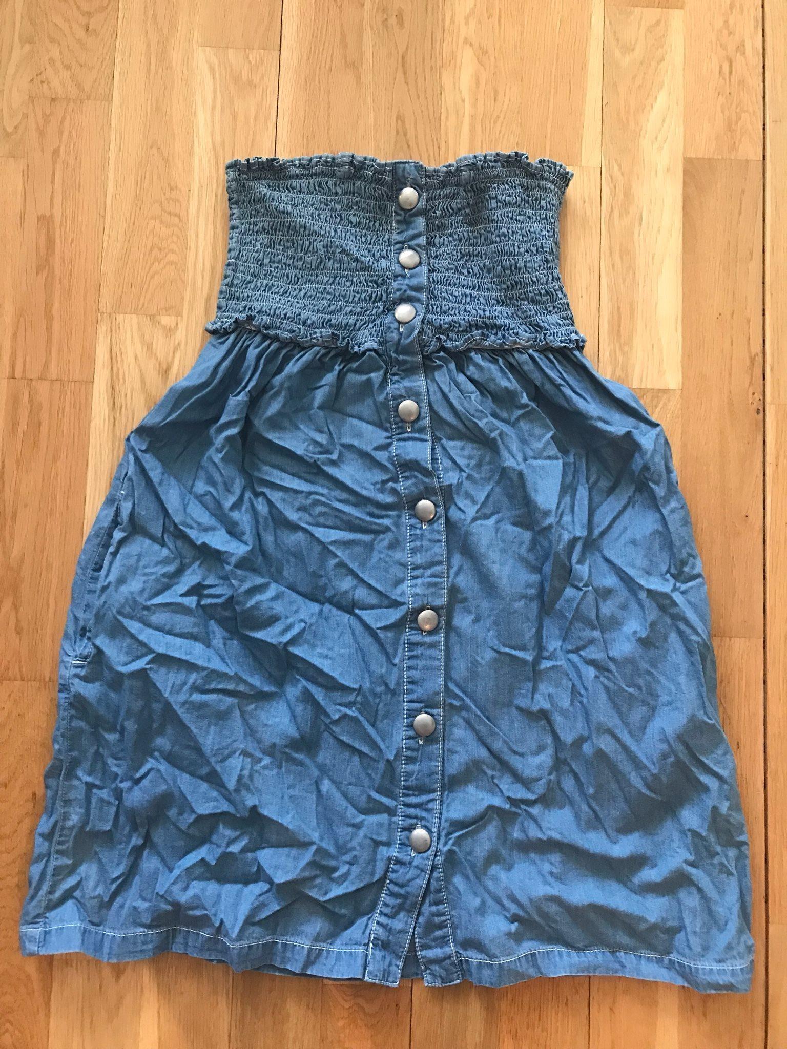En vacker jeansklänning med knappar från jsfnd.. (334585527) ᐈ Köp ... a4f6bb8c473be