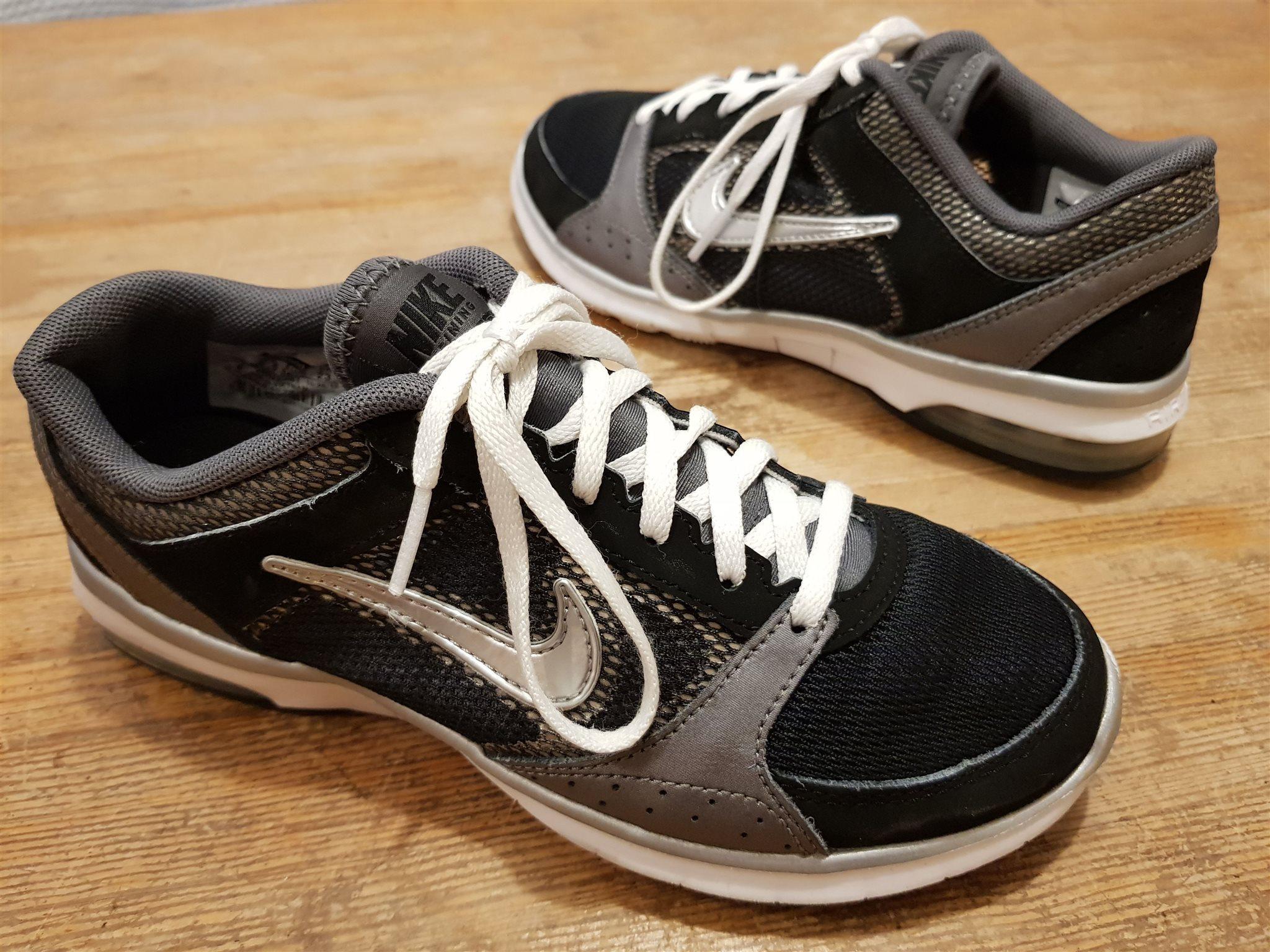 newest collection 12dbc 5c802 Löparskor sportskor Nike Air Max Fit Training sneakers str 36,5 i fint skick