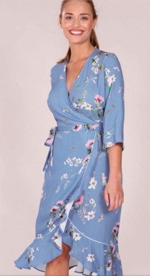 b0fec39c559d Miss Clarity Paulinaklänning, strl M, Ny! (348539529) ᐈ Köp på Tradera