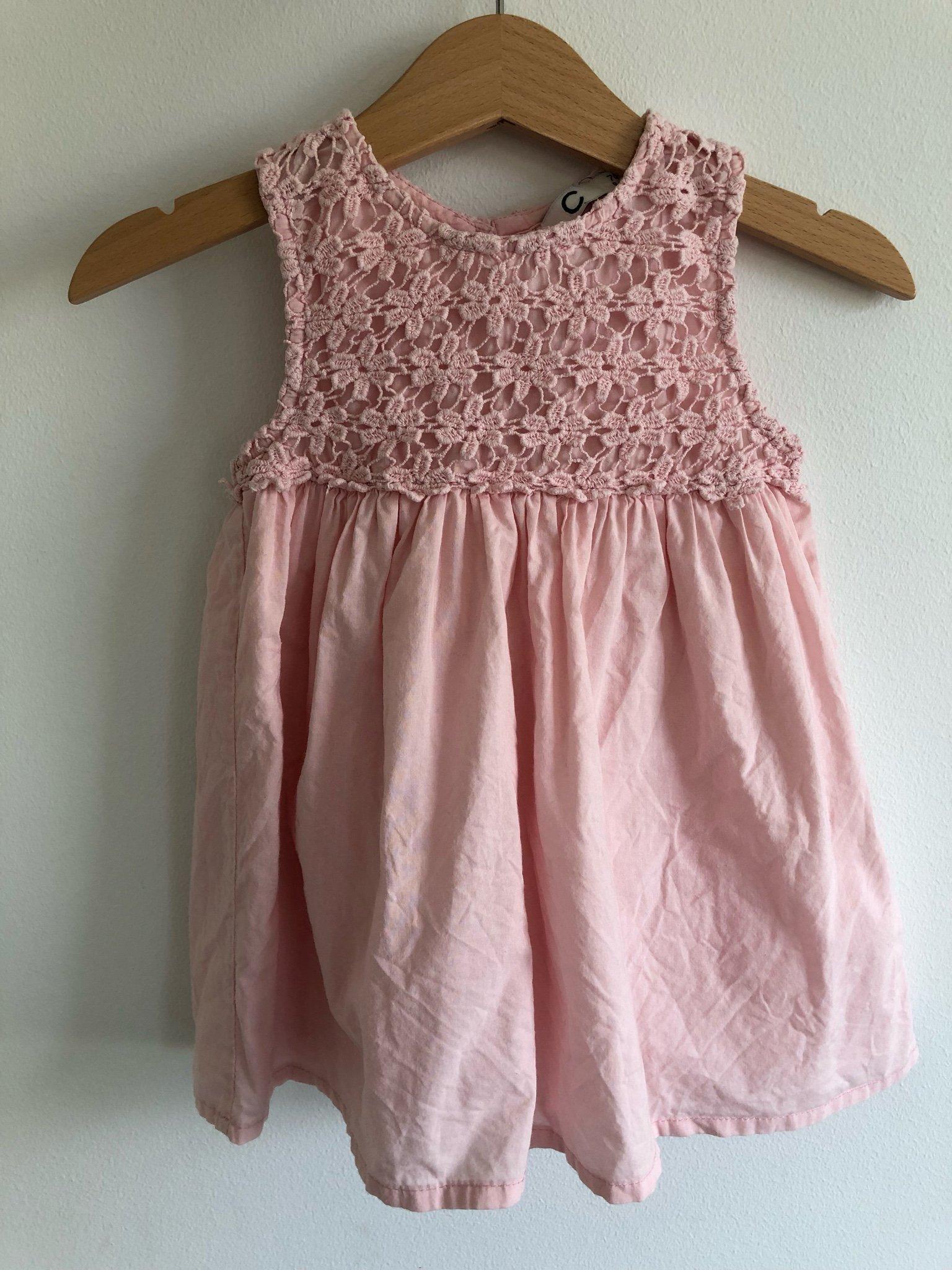 Baby klänning till dop och fest