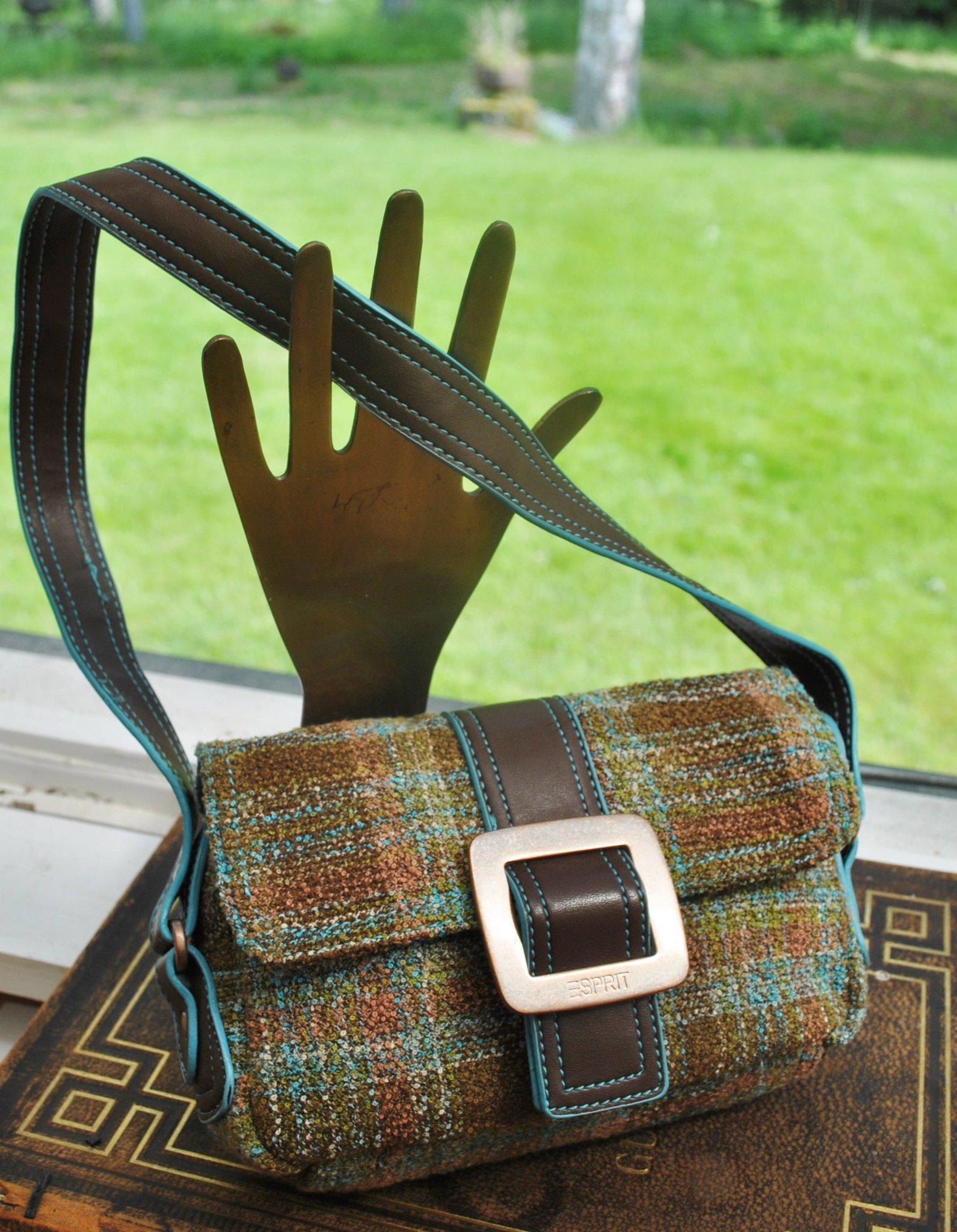 Fin liten praktisk ESPRIT textil väska,i fina fler diskreta nyanser