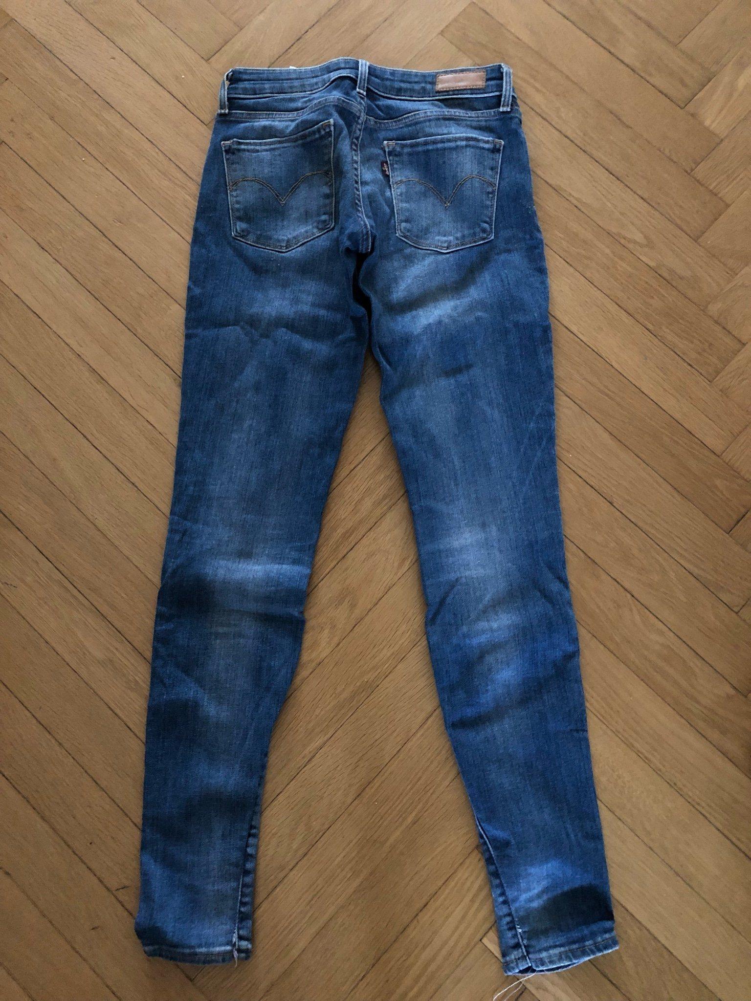 b91e59b1aba Levis jeans storlek 25 (342754043) ᐈ Köp på Tradera