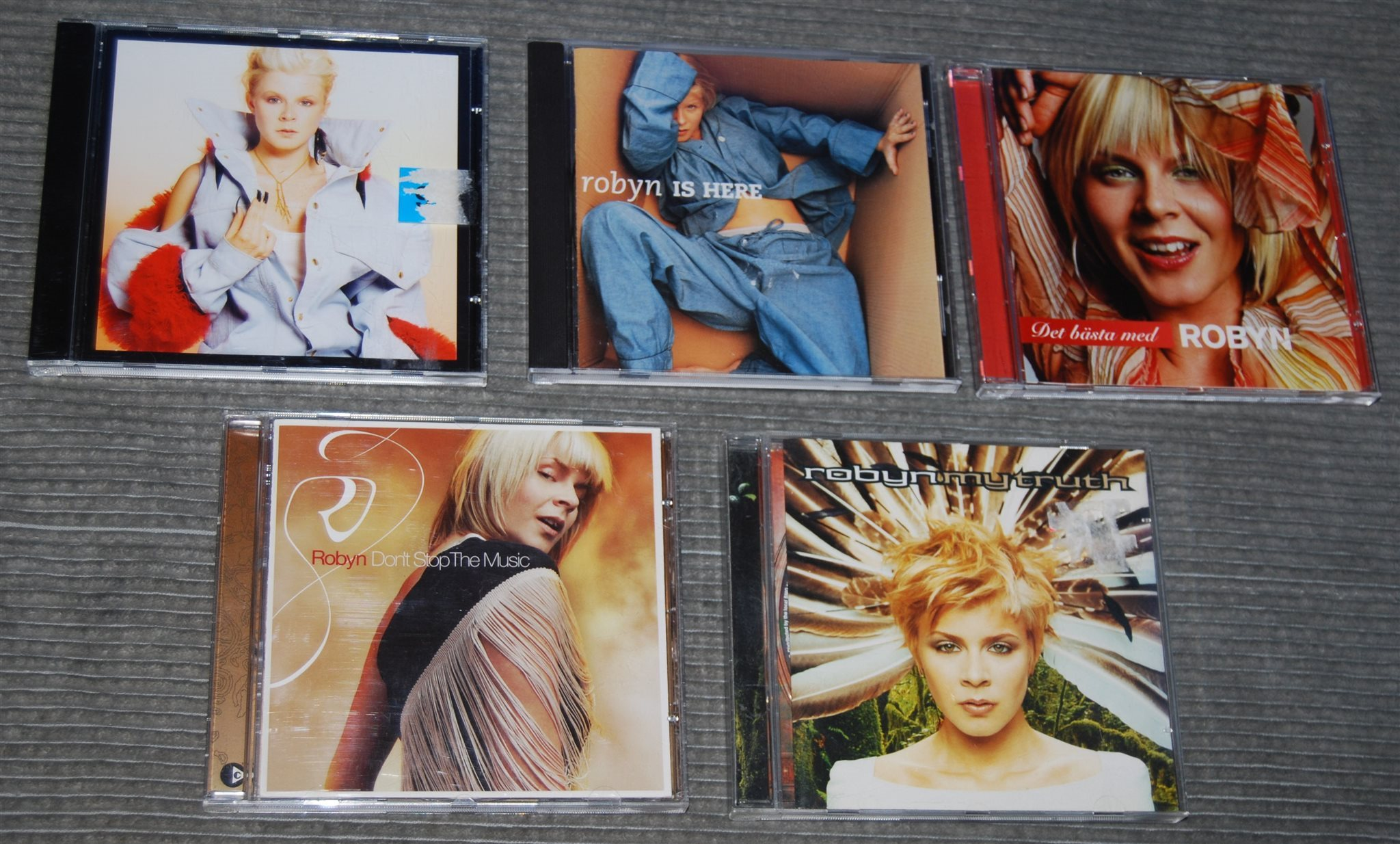 5 CD-skivor m ROBYN: Is here  My Truth  Don´t S   (325959470