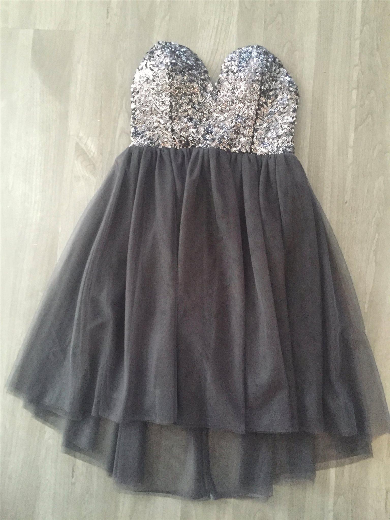 9e209de822f0 Gina Tricot klänning med paljetter och tyll (ny.. (350613488) ᐈ Köp ...