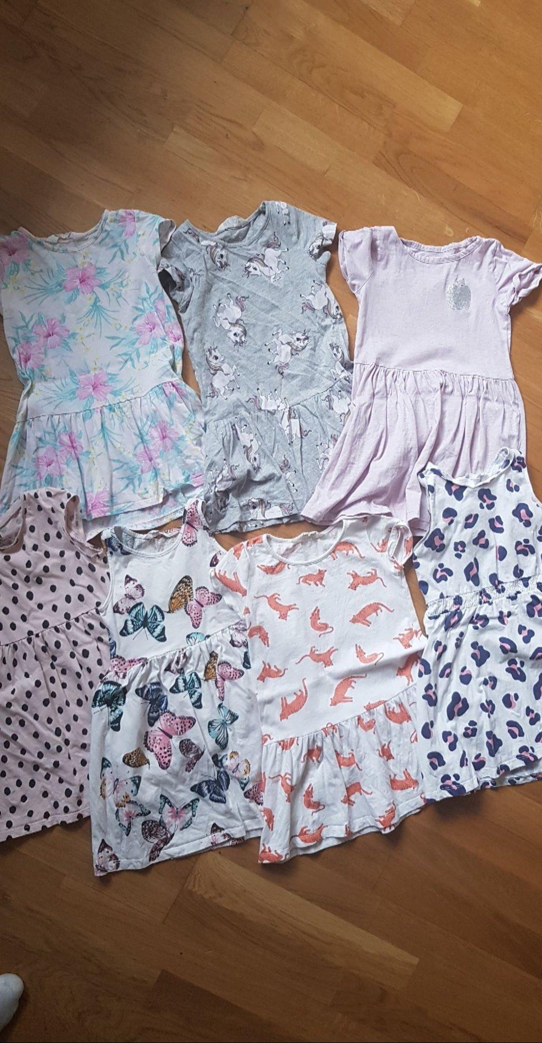 20c3ec260f01 Fina sommar klänningar från hm! (348369426) ᐈ Köp på Tradera