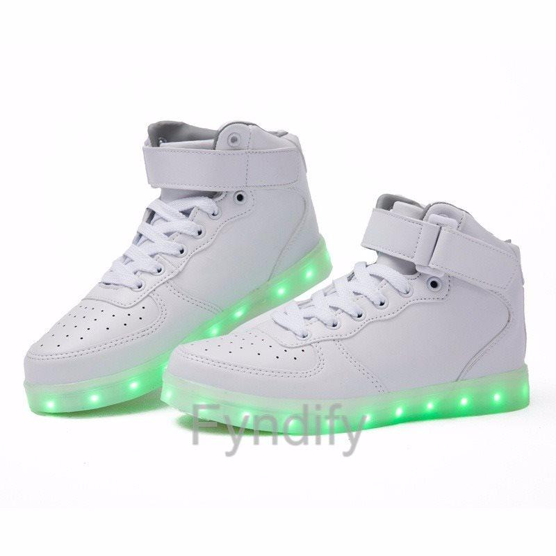 sneakers med ljus