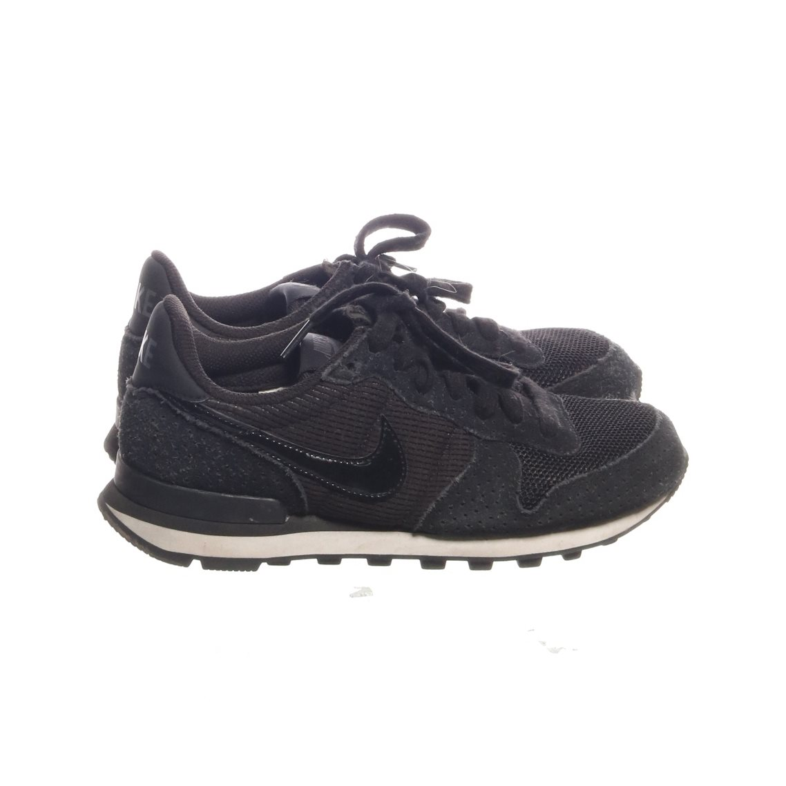 best loved aae8e a9cde Nike, Träningsskor, Strl  36, Svart Vit