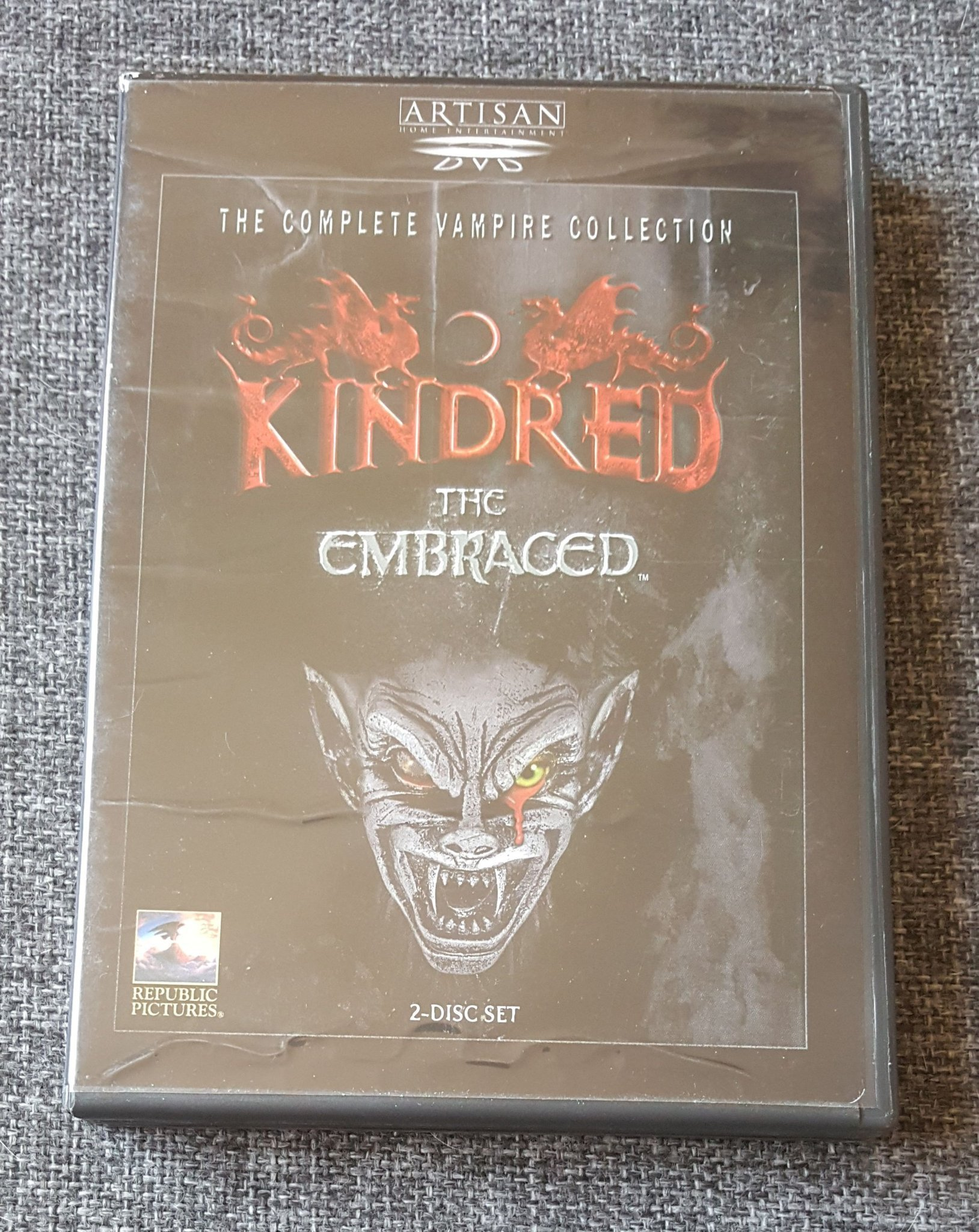 Kindred The Enbraced (Complete Vampire Collection) 2-disc Region 1