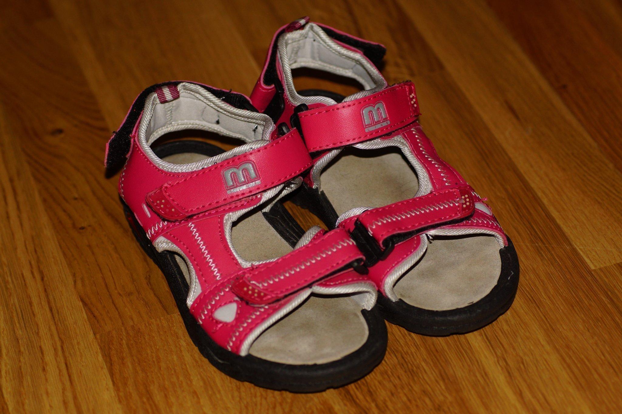 NYA sommar sandaler str 31 (20 cm) skor sandale.. (353532289