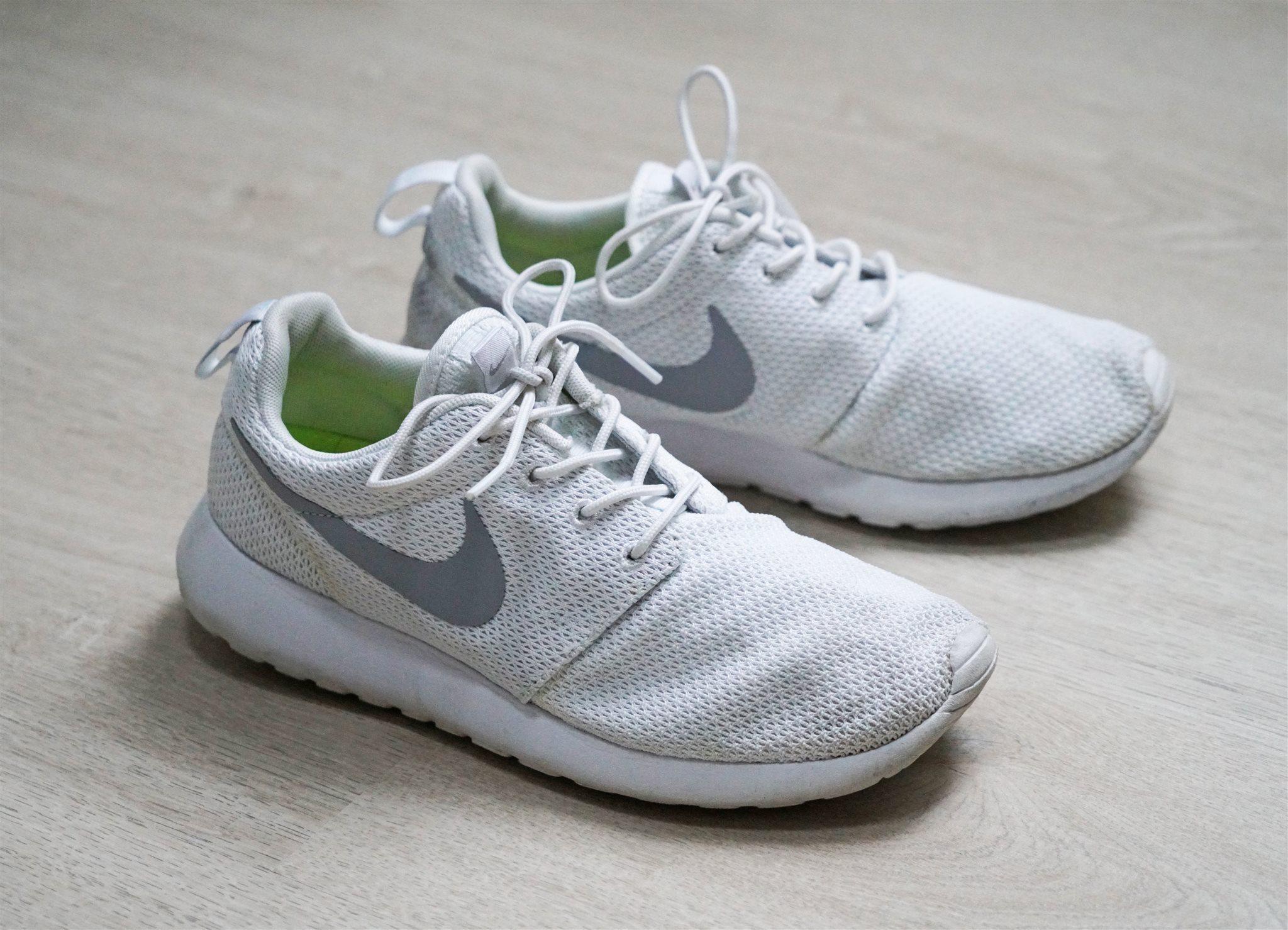 online retailer 606c2 a677b NIKE ROSHE RUN, running, träningsskor, NIKE ID, vita, gråa