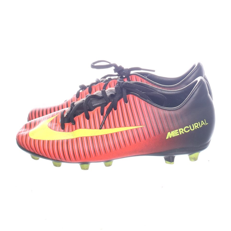 wholesale dealer c2525 6bc5b Nike, Fotbollsskor, Strl 36,5, Mercurial Vapor XI AG Junior