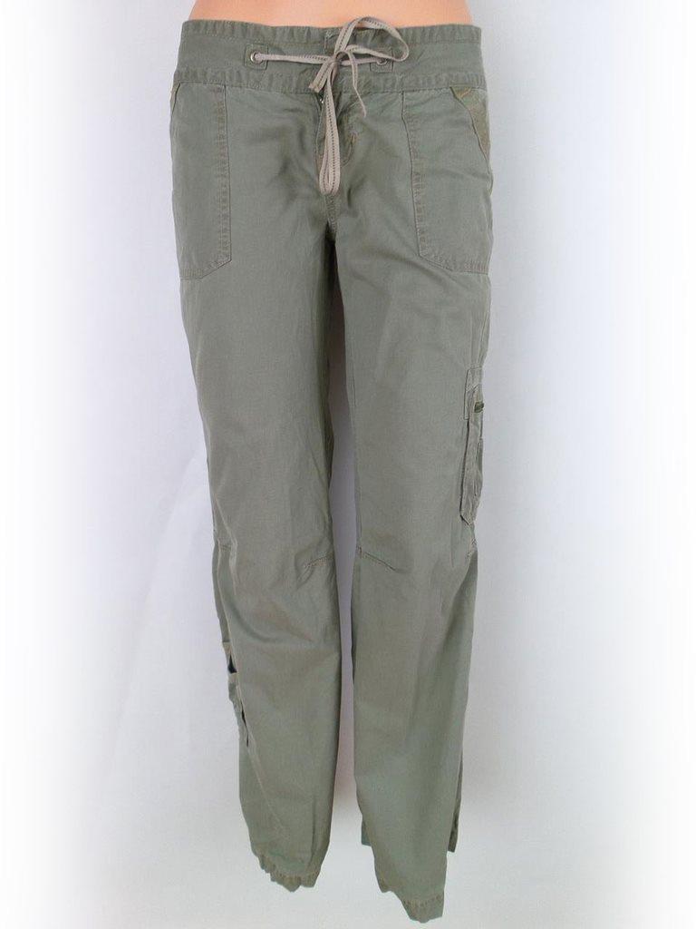 gröna jeans med fickor