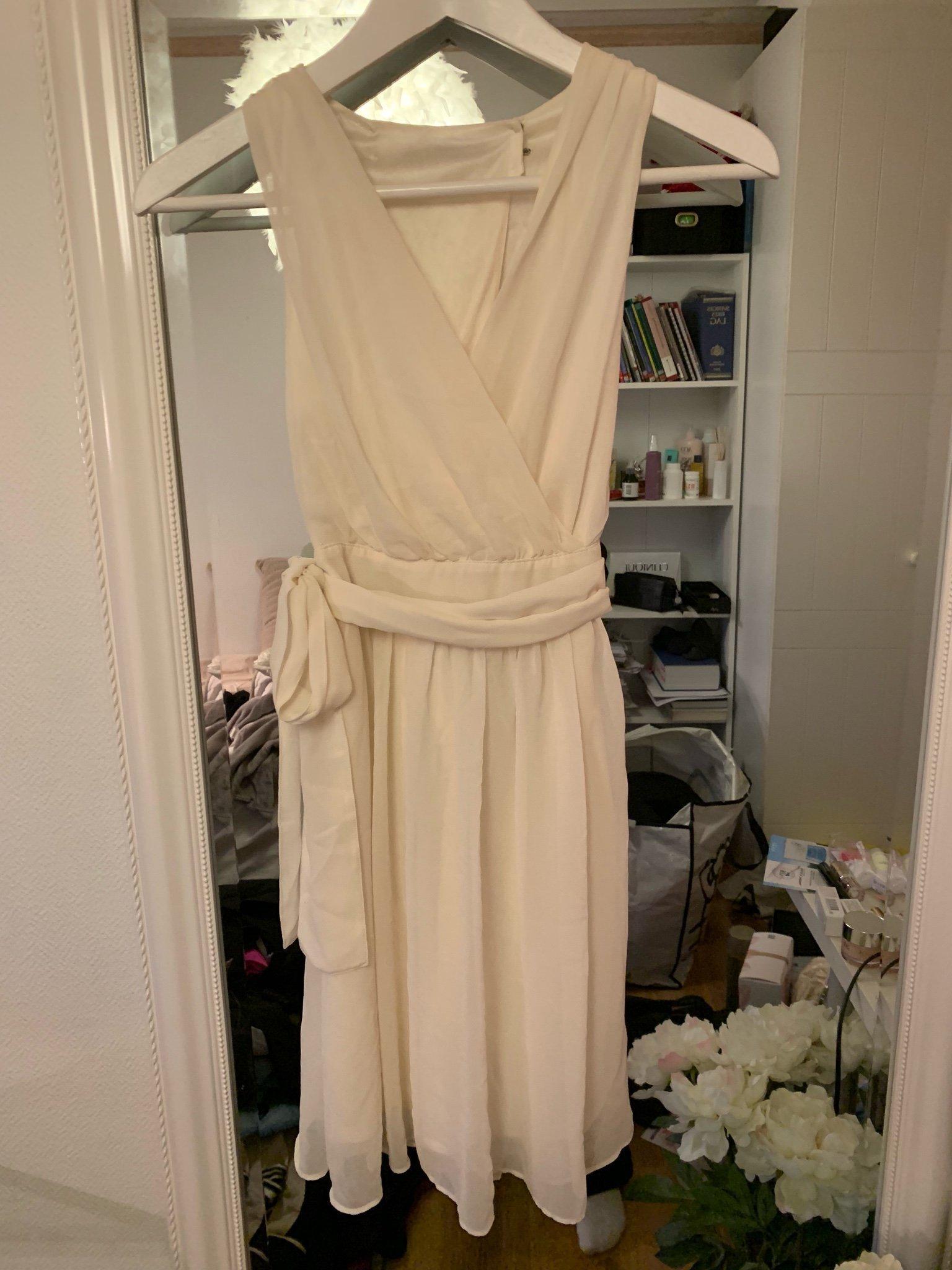 Vit klänning studentklänning MQ zoul storlek 32 (393807953