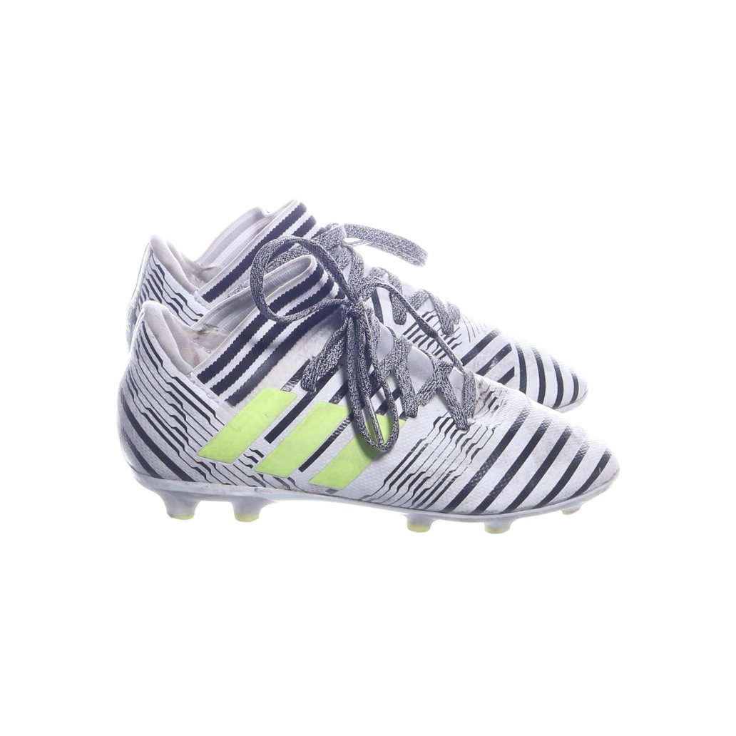 low priced 535f1 21275 Nemesis Now, Fotbollsskor, Strl  17,3, Si.. (350401927) ᐈ Sellpy på Tradera