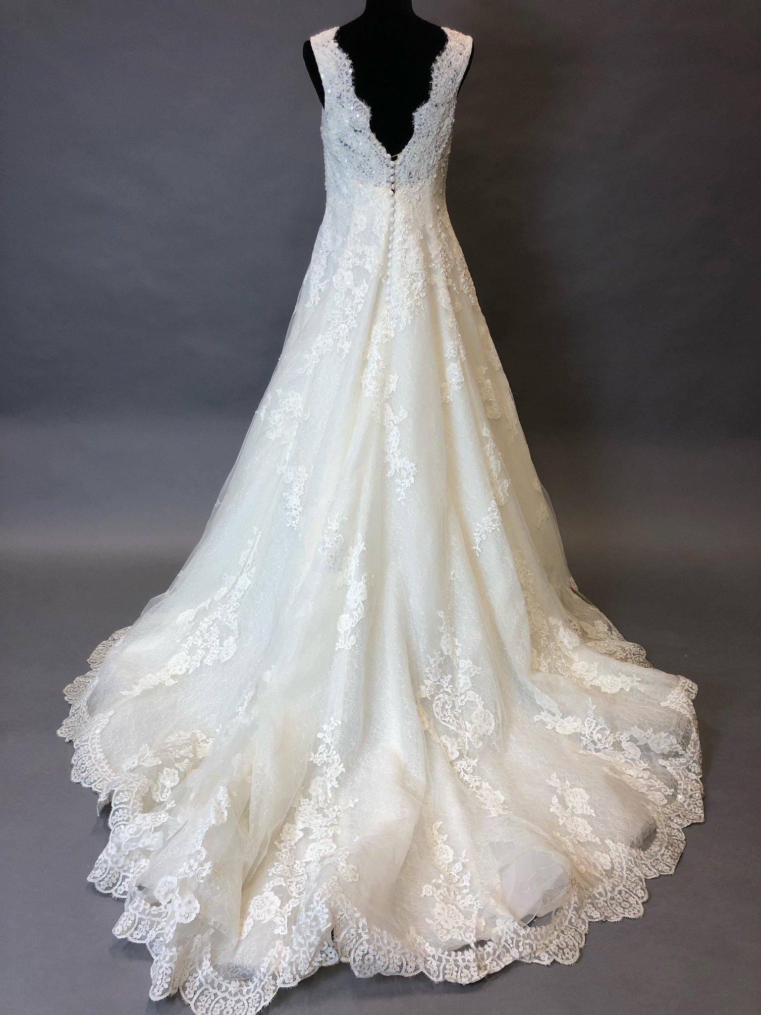 8e51fc438ba6 Bröllopsklänning Pronovias Barcelona.. (349489033) ᐈ Godsinlösen på ...