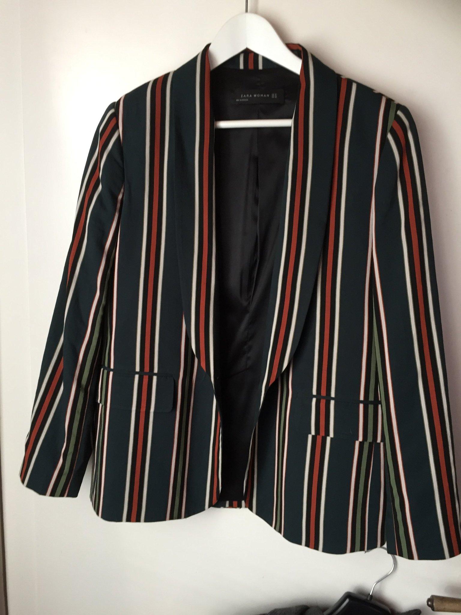 8a14dec588af Ny kavaj från Zara (353247412) ᐈ Köp på Tradera