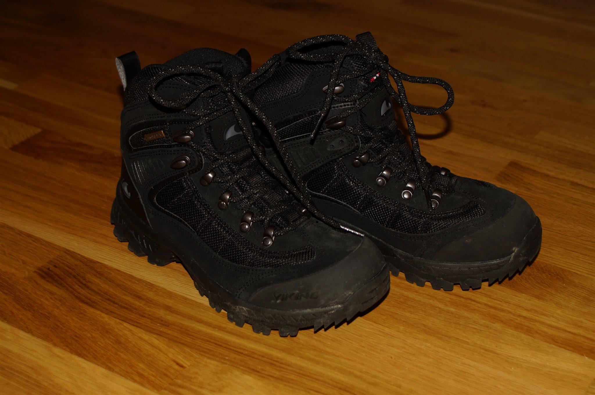 Kängor Viking st 39 Gore-Tex knappt använda vinter skor vinterskor stövlar  känga 8546776a520e9