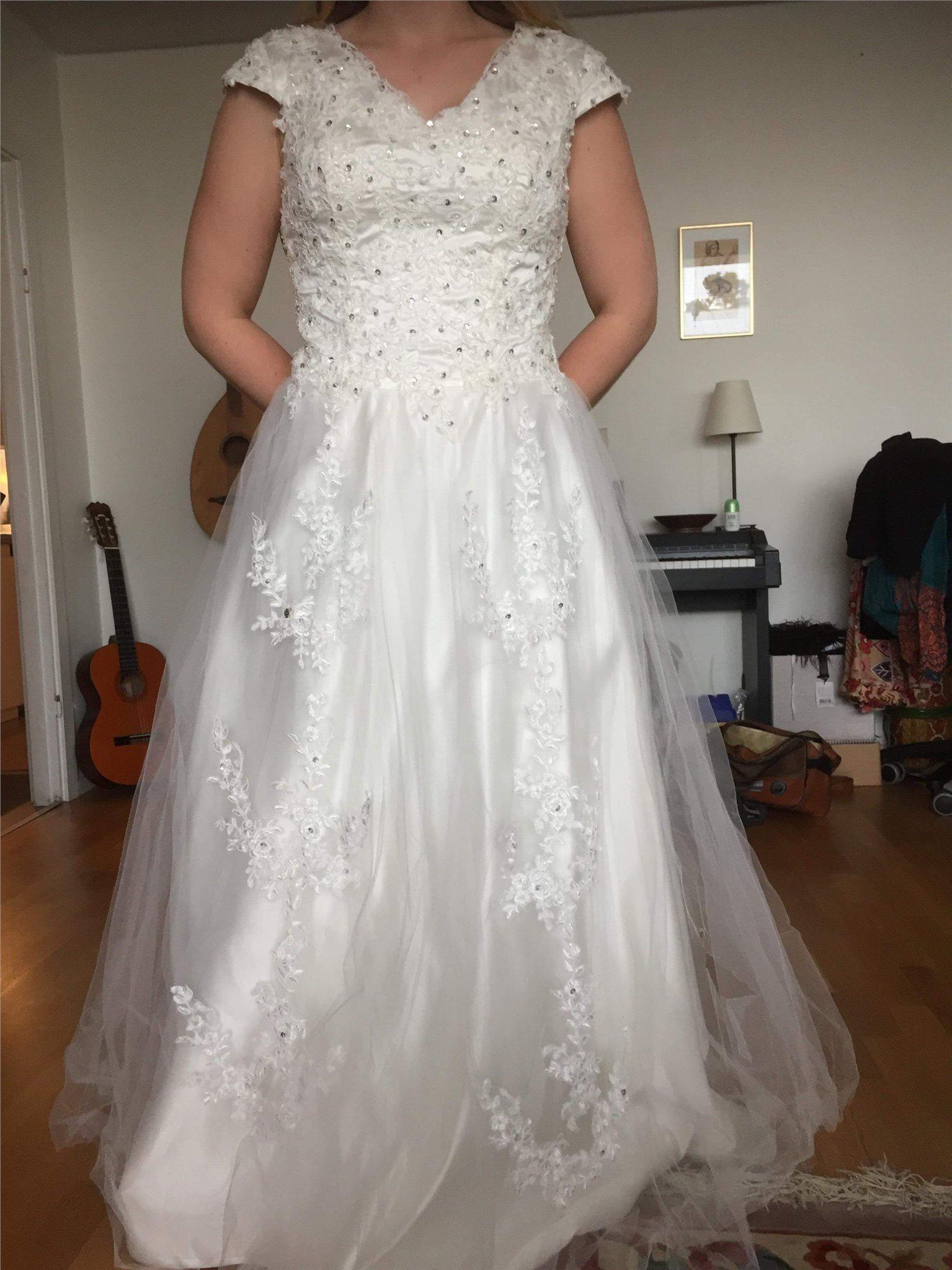 ida sjöstedt bröllopsklänning till salu