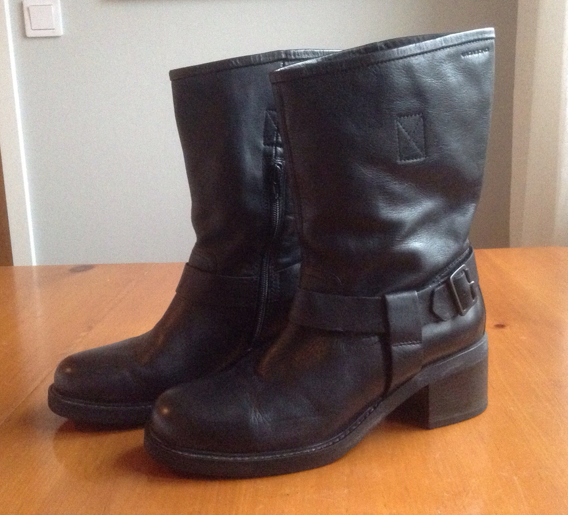 Vagabond stövlar boots svart skinn stl. 40