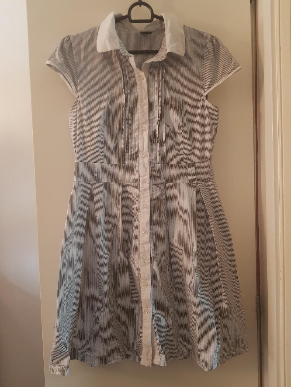 714e6b87e4f9 Vit/blå randig klänning/skjortklänning Vero Mod.. (353540226) ᐈ Köp ...