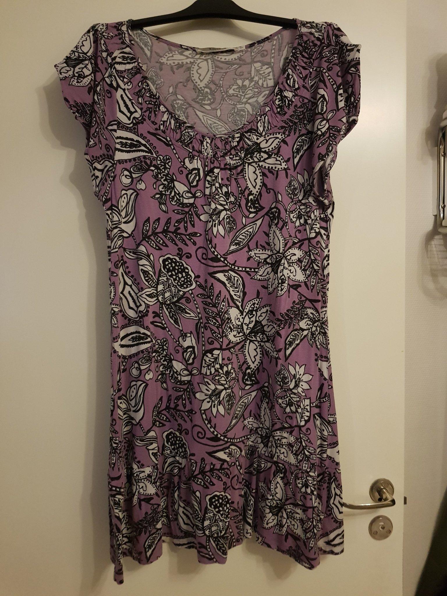 klänningar 46