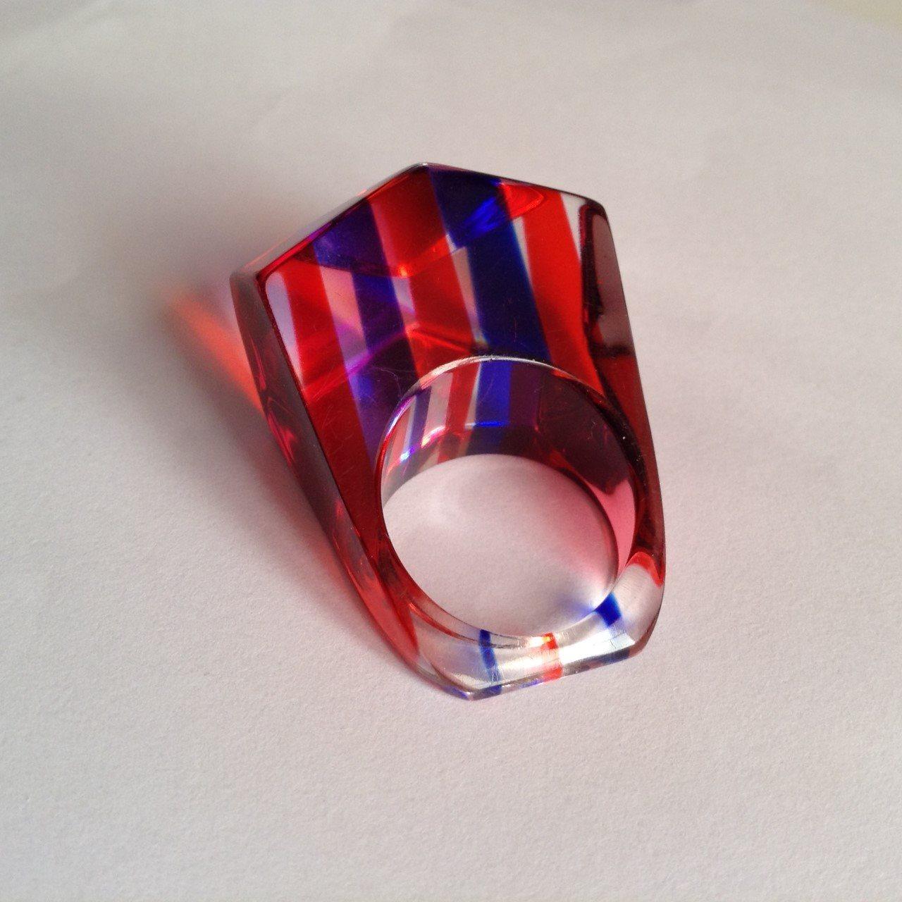 70 tal läcker ring av akrylplast, 1 ägare, vintage retro fingerring