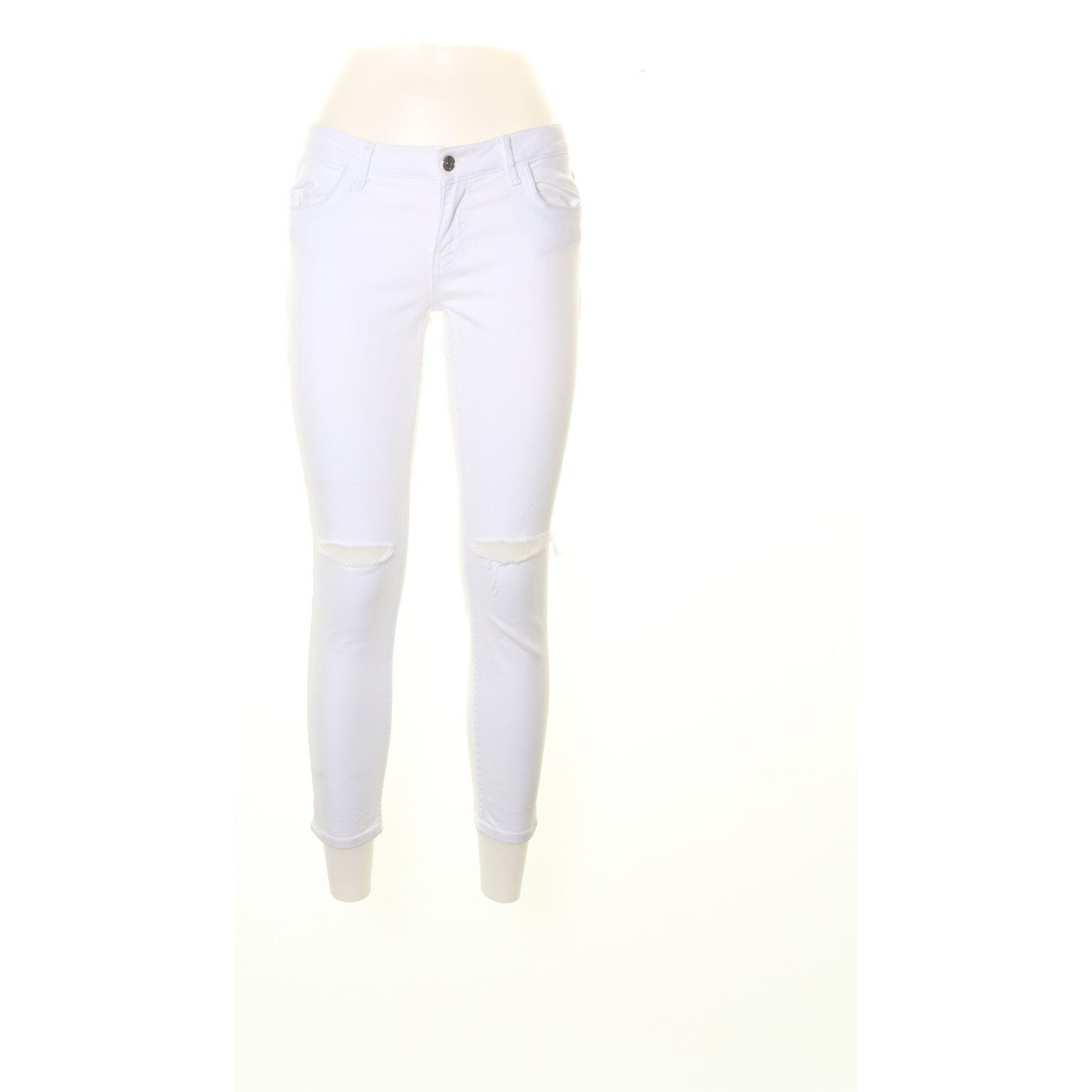 1943911e81b6 Zara basic denim dept, Jeans, Strl: 38, L.. (339774796) ᐈ Sellpy på ...