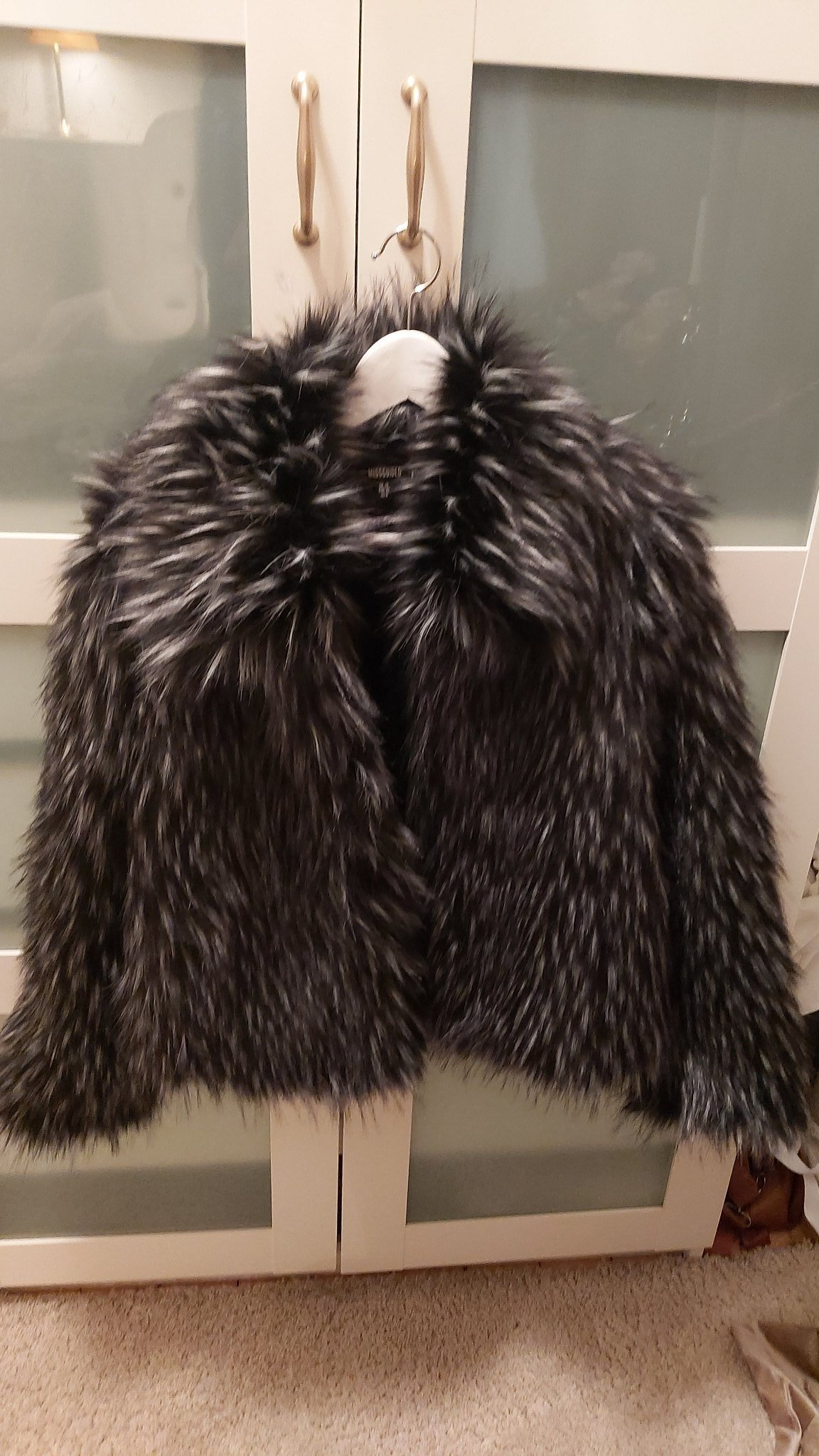 Shiver Fake Fur i svart svart från Rock And Blue | Jackan