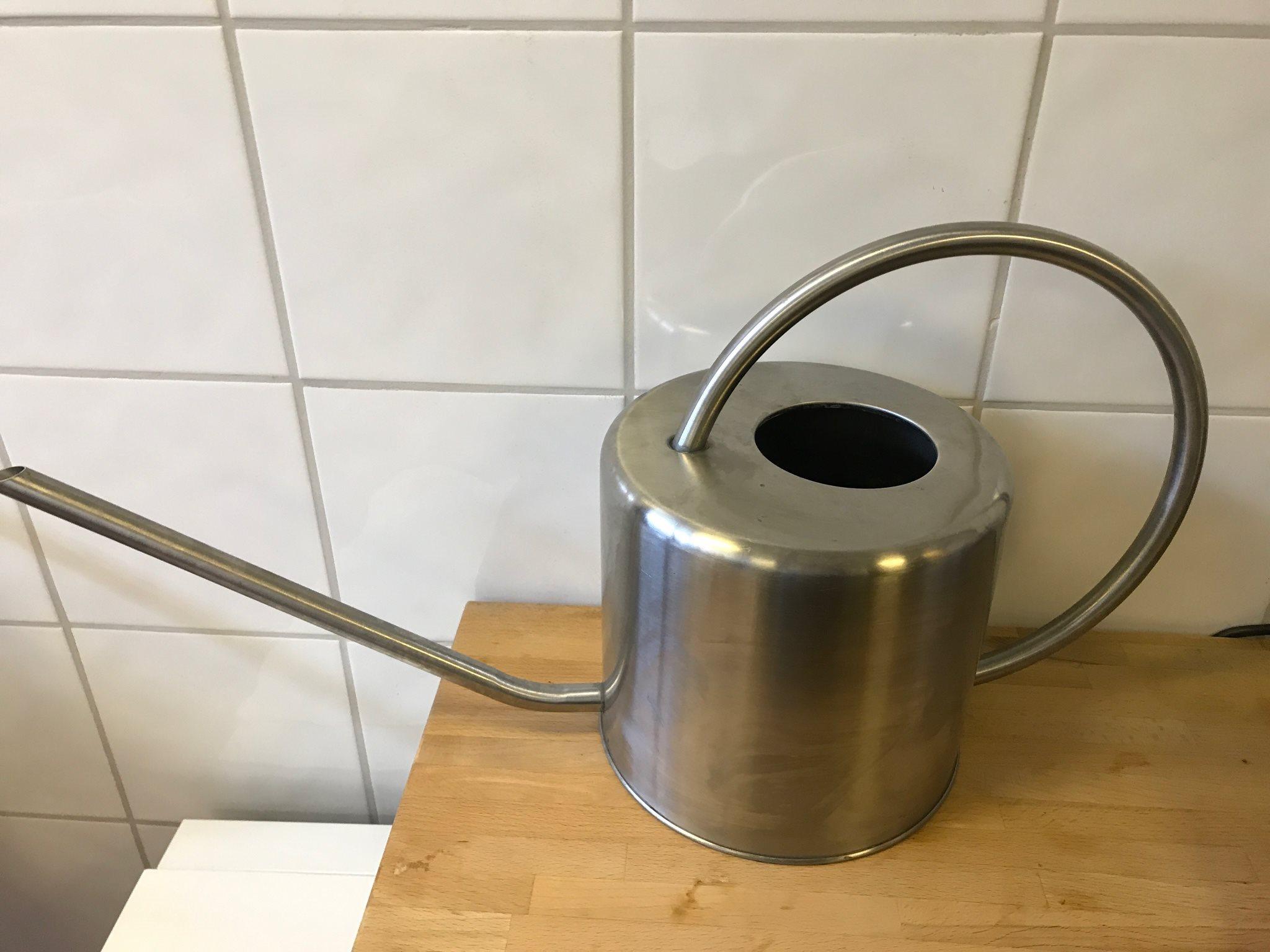 vattenkanna svenskt tenn